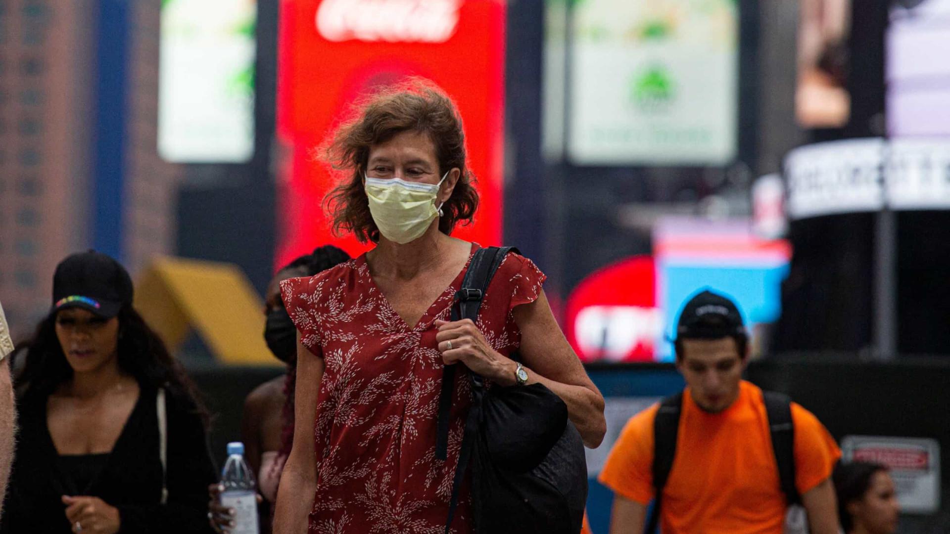 Variante Delta é tão contagiosa quanto a varicela, diz relatório do CDC