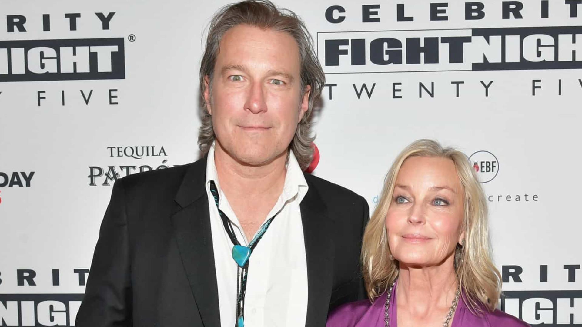 Após 20 anos de namoro, John Corbett e Bo Derek casaram-se em segredo