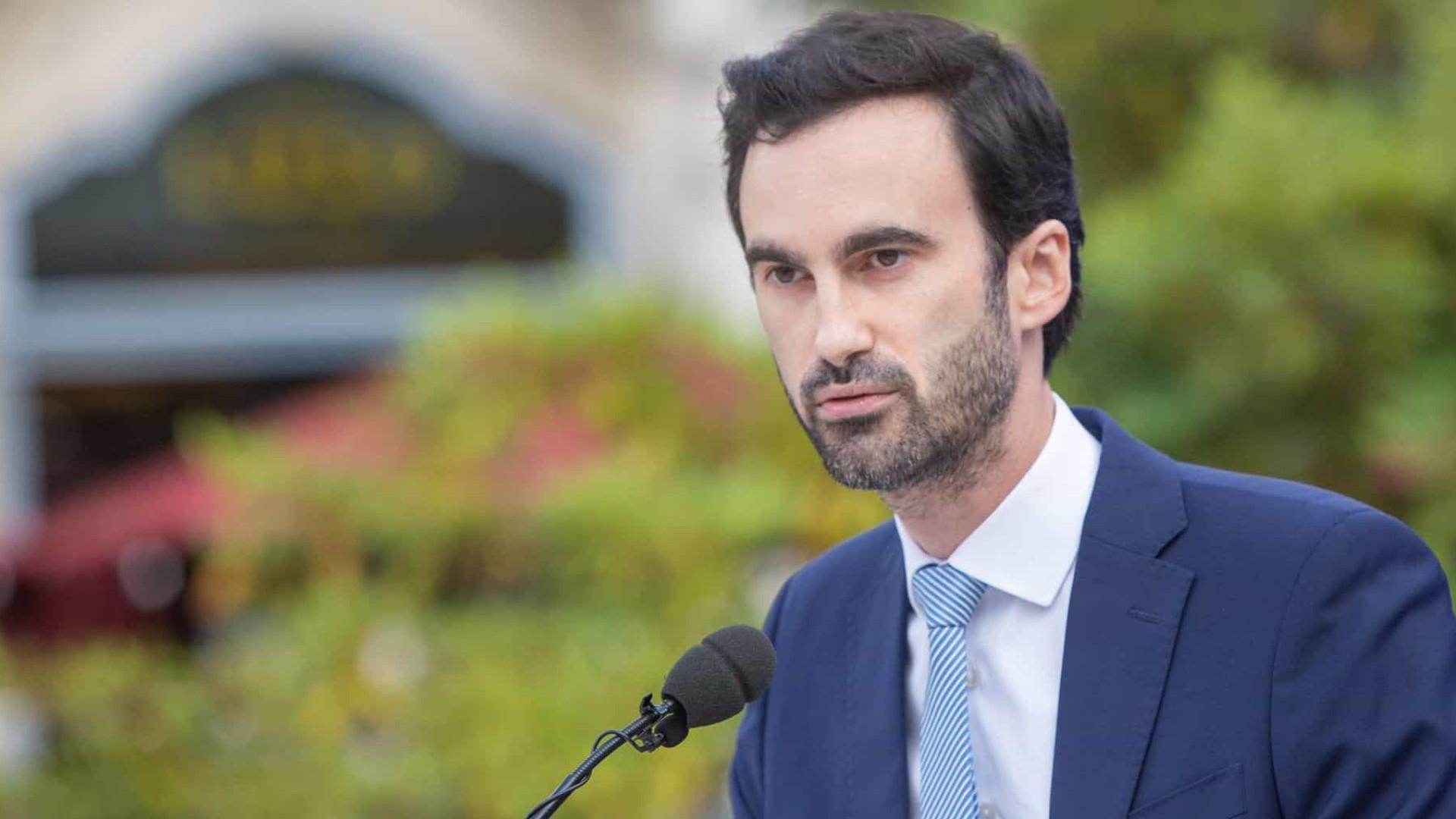 """""""A Câmara Municipal do Porto está viciada em propaganda"""""""