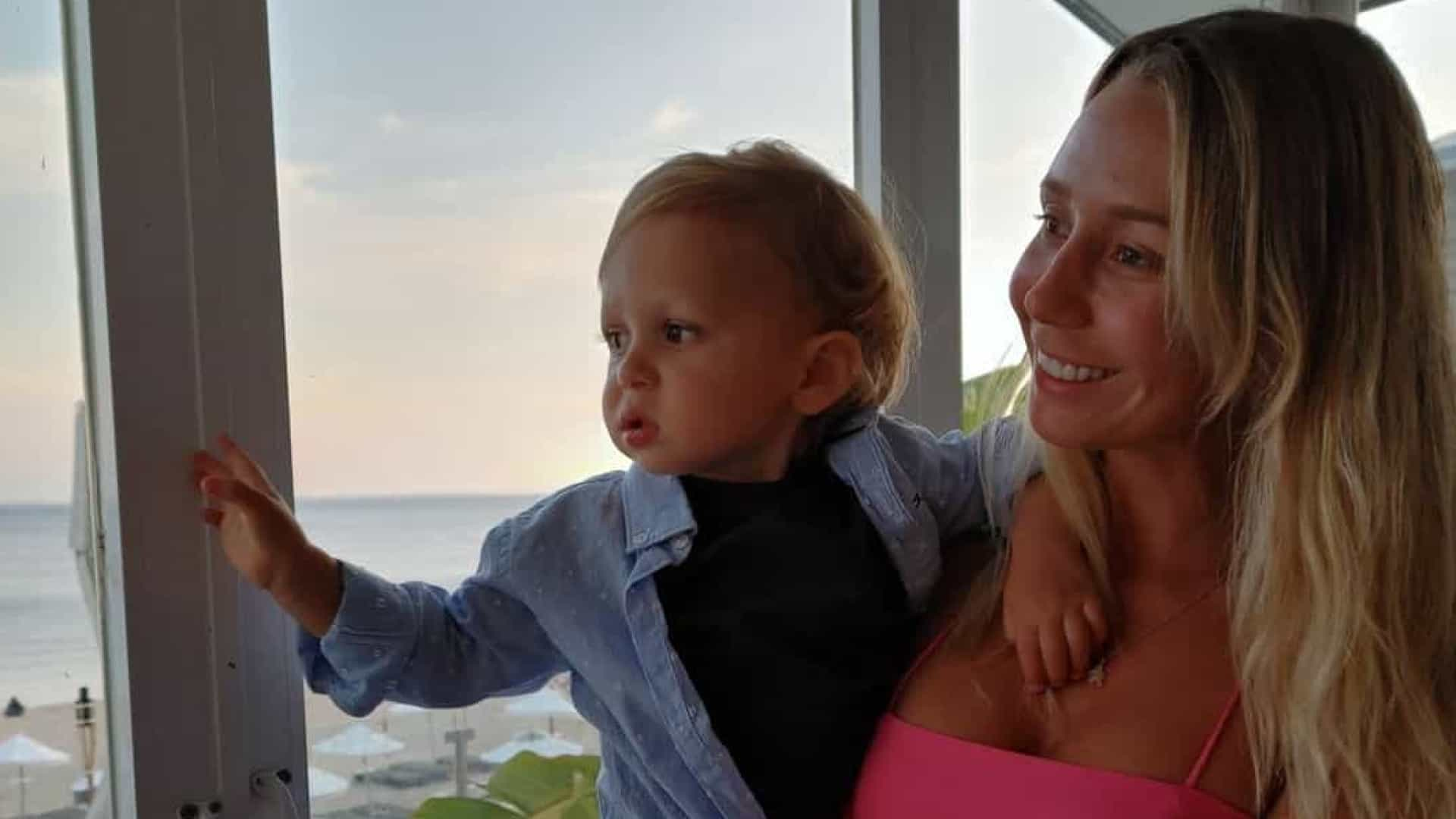 Sofia Arruda leva o pequeno Xavier a viajar de avião pela primeira vez