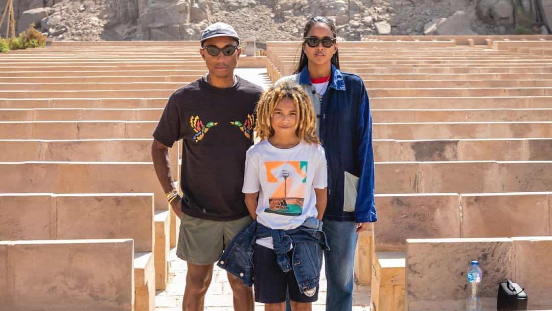 Pharrell Williams partilha rara fotografia com mulher e filho mais velho