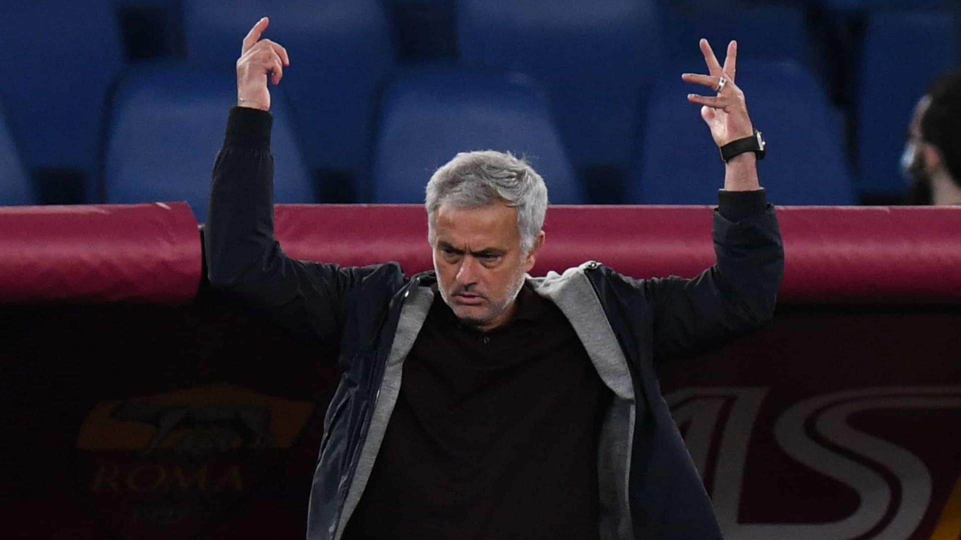 José Mourinho é expulso e AS Roma volta a marcar passo em Itália