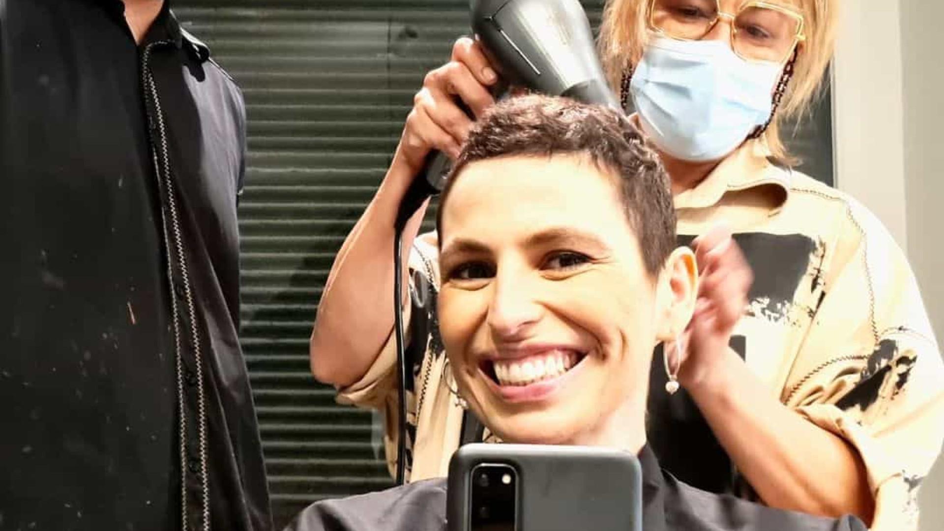 """Joana Cruz mostra """"1.º corte de cabelo"""" após vencer luta contra o cancro"""