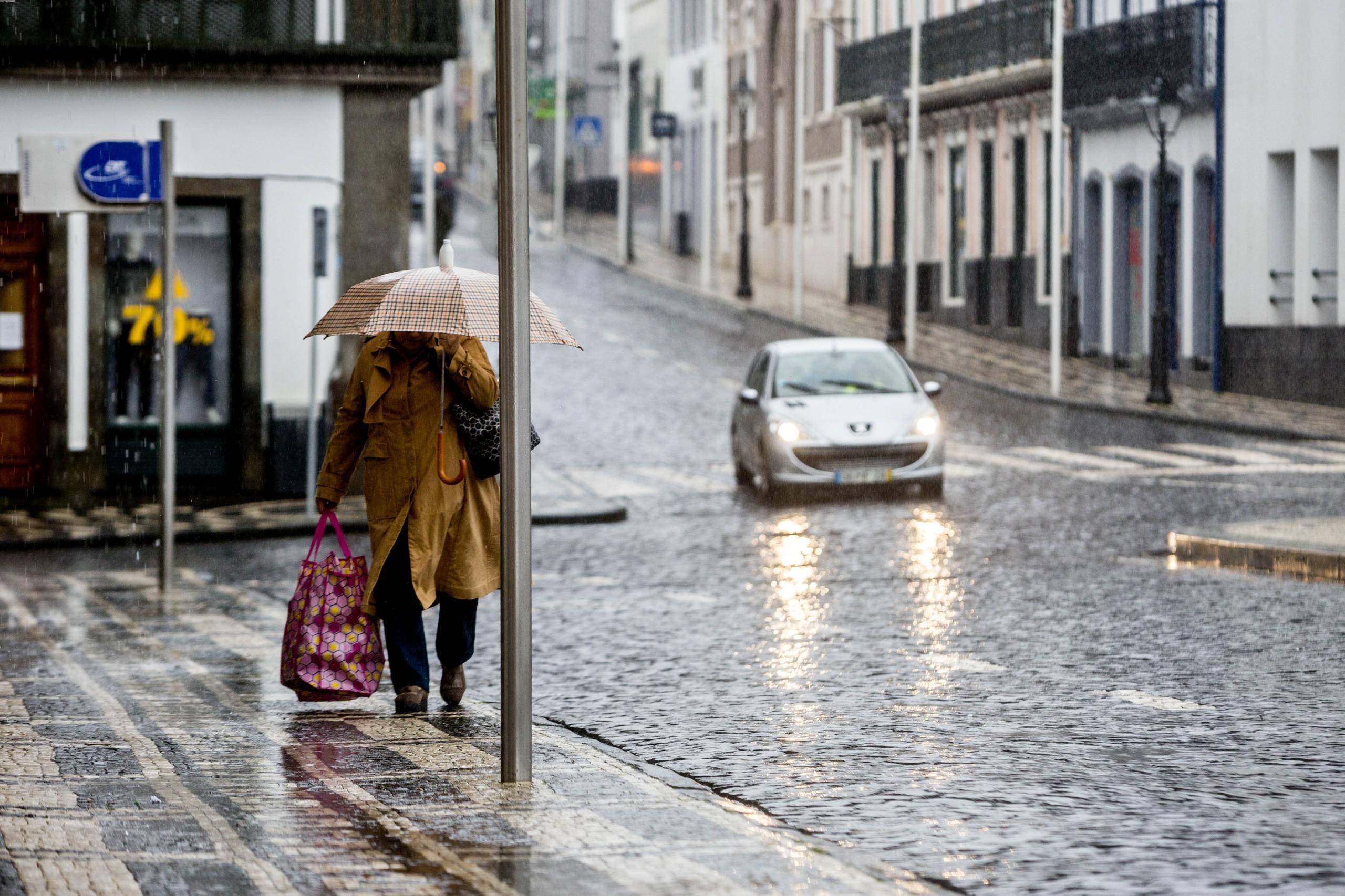 Grupos ocidental e central dos Açores sob aviso amarelo nos próximos dias