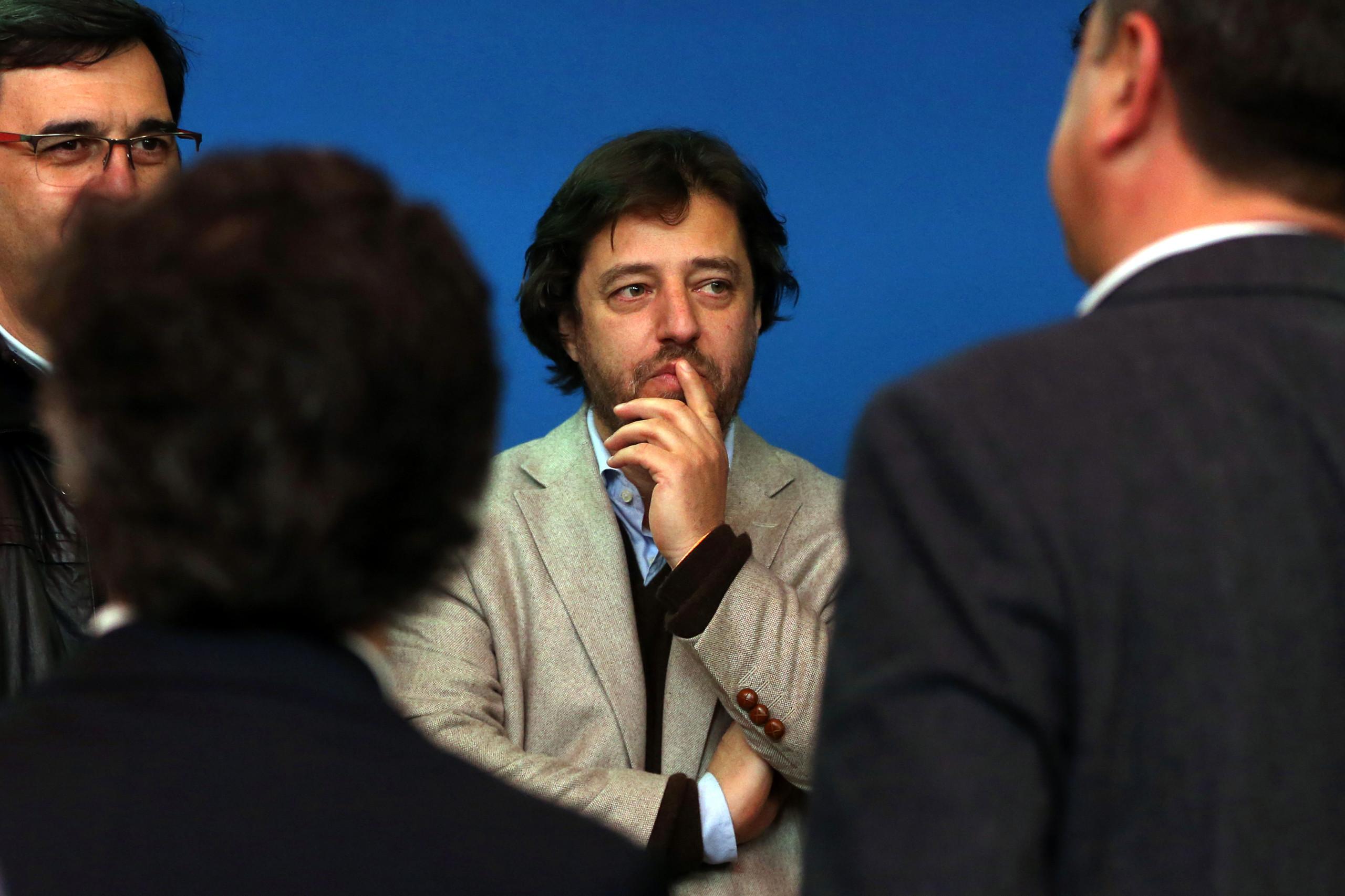 Poiares Maduro em último na lista e direção reitera 8.º lugar para Açores