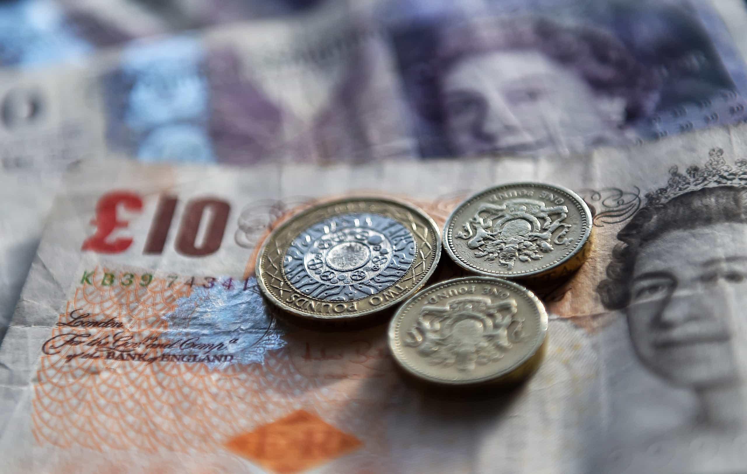 Libra esterlina alcança máximo face ao euro desde o referendo de 2016