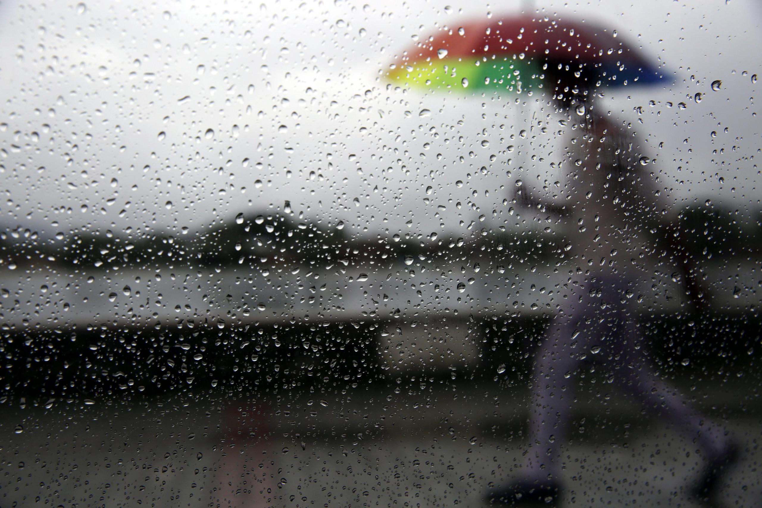 Furacão Leslie está a chegar ao arquipélago da Madeira com ventos fortes