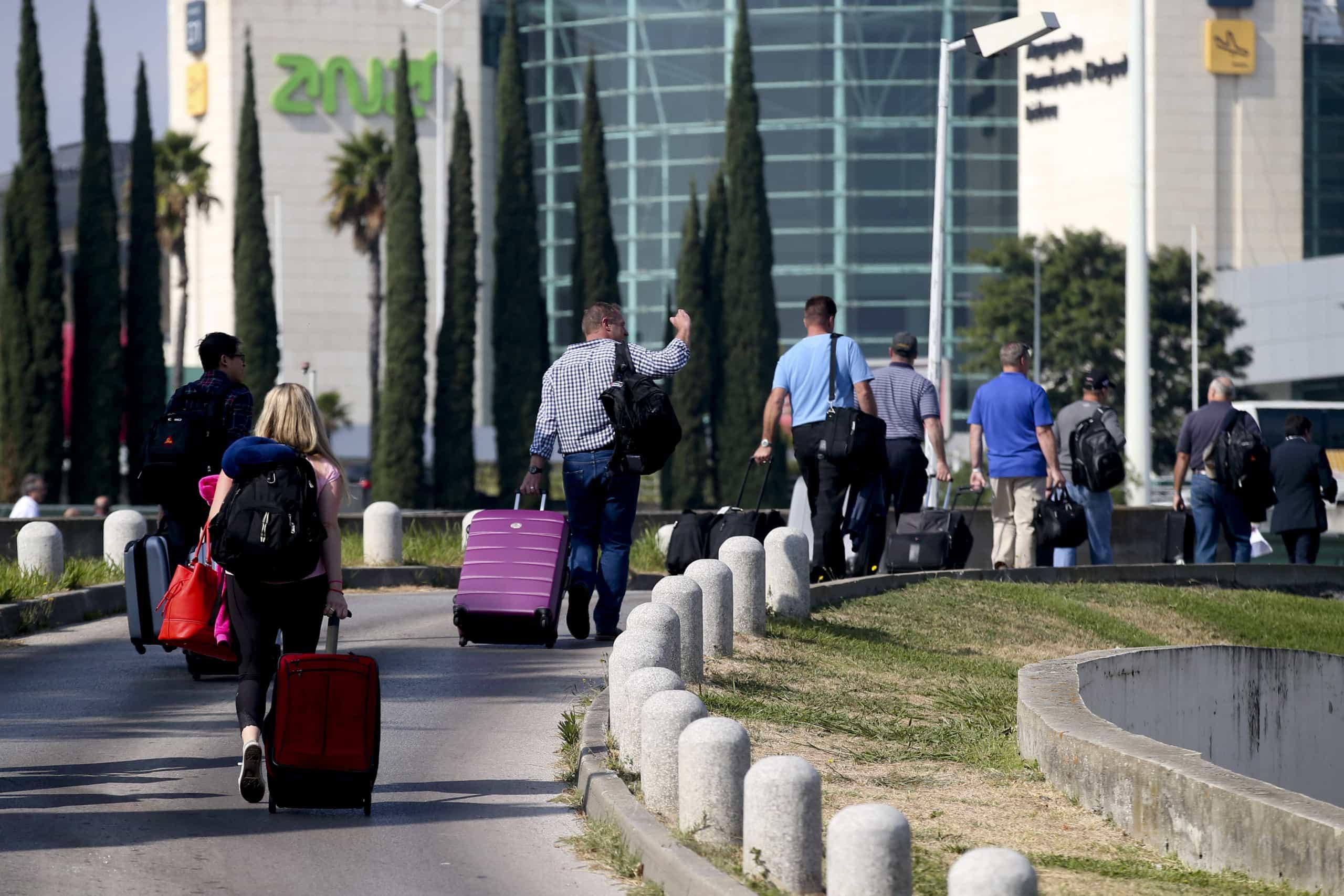 Aeroporto de Lisboa prevê chegar a recorde de 29 milhões de passageiros