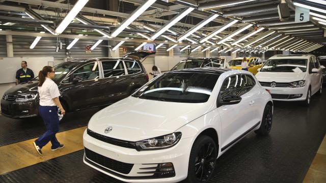 Autoeuropa tem entrega de oito mil carros atrasada