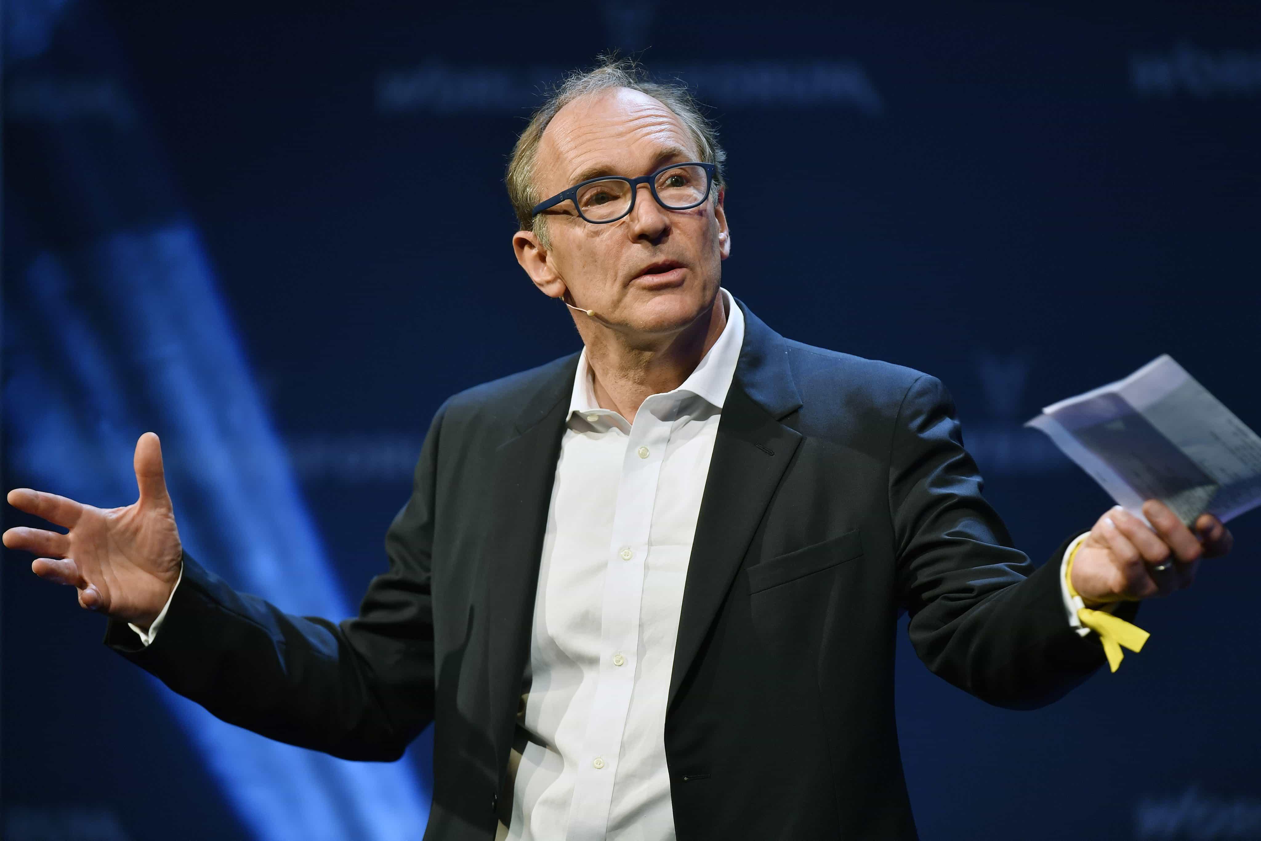 """Fundador da Internet apela a esforço para fazer da web uma """"força do bem"""""""