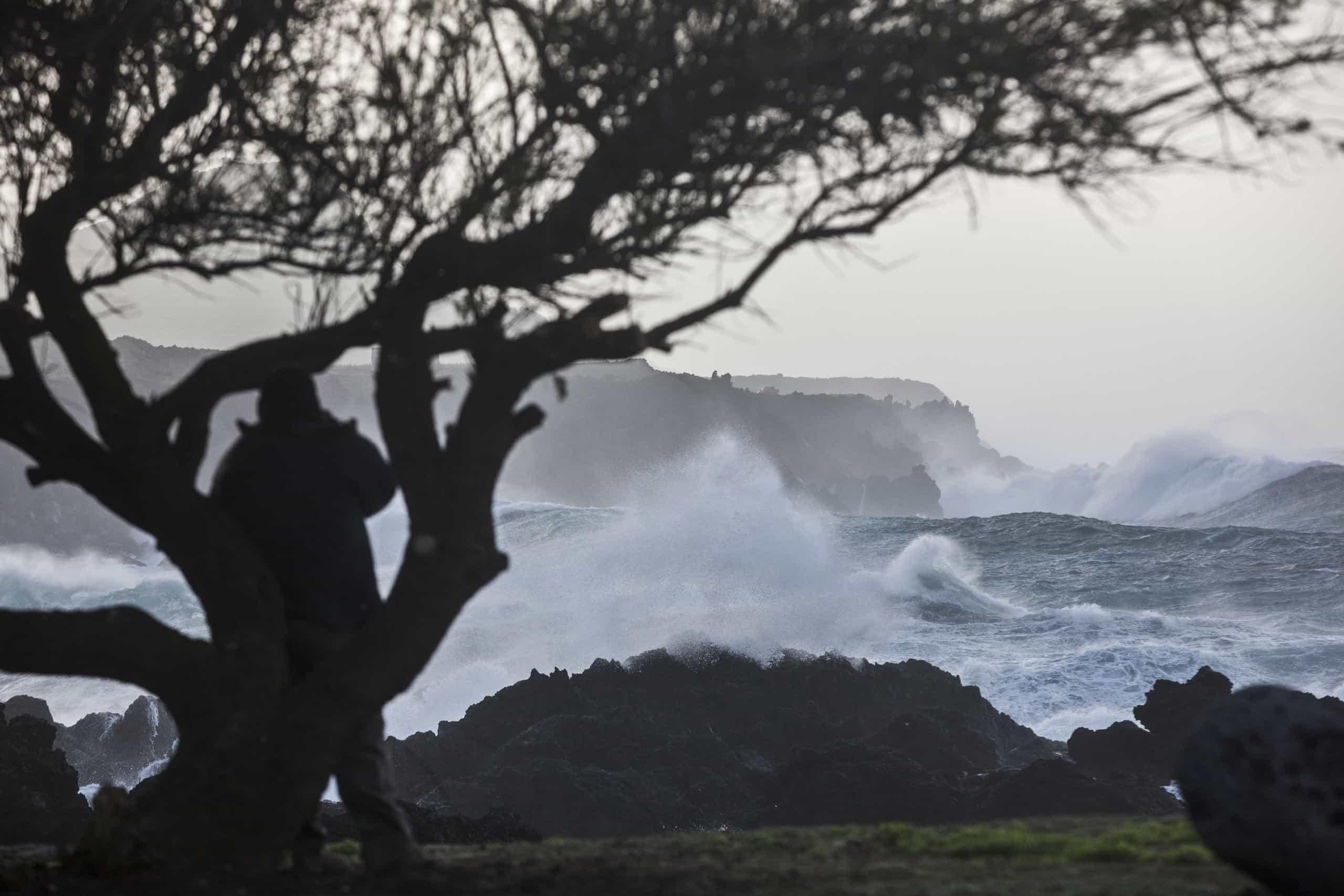 Agitação marítima provoca estragos nos portos da ilha das Flores