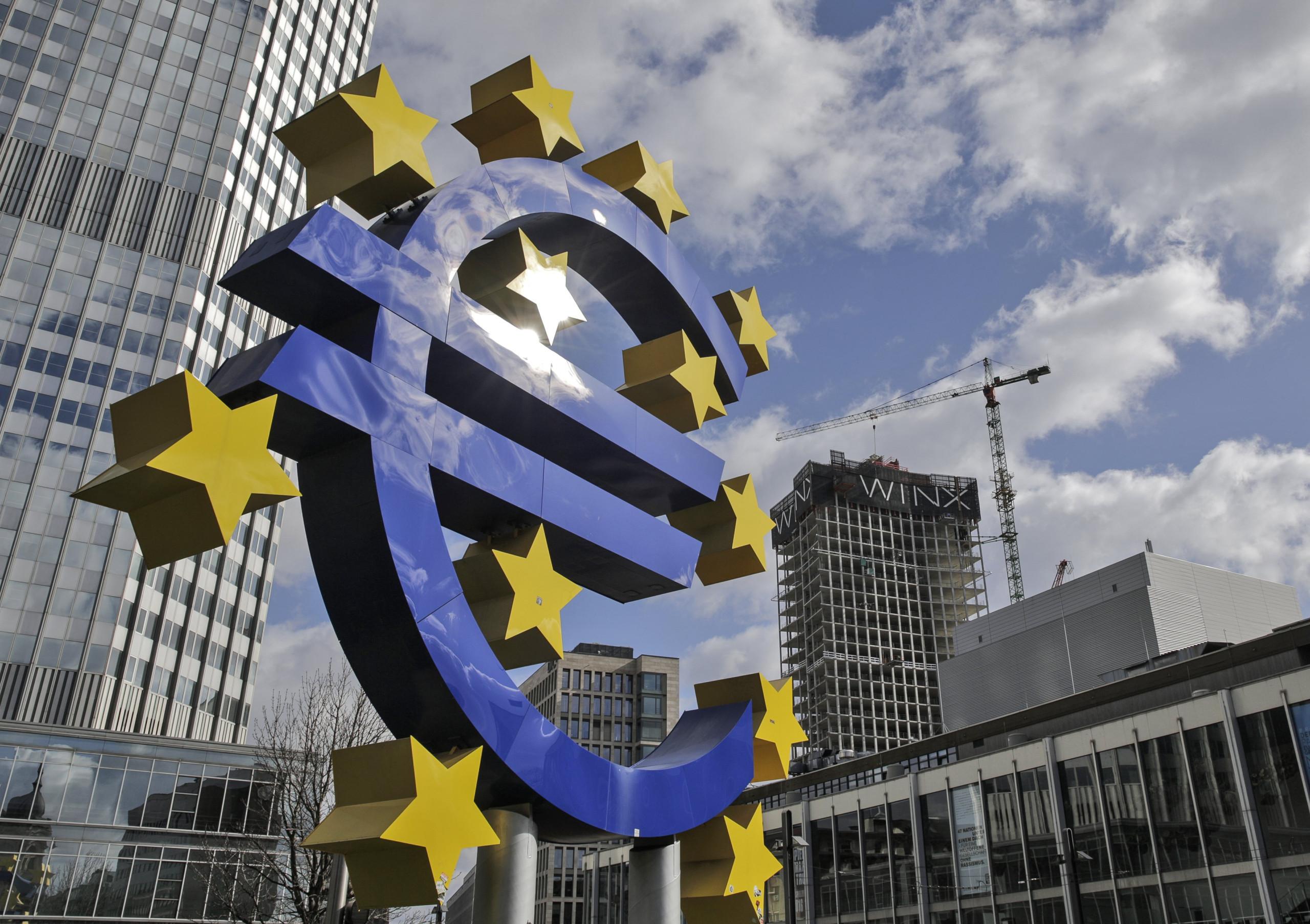 BCE prevê desaceleração do crescimento económico a curto prazo