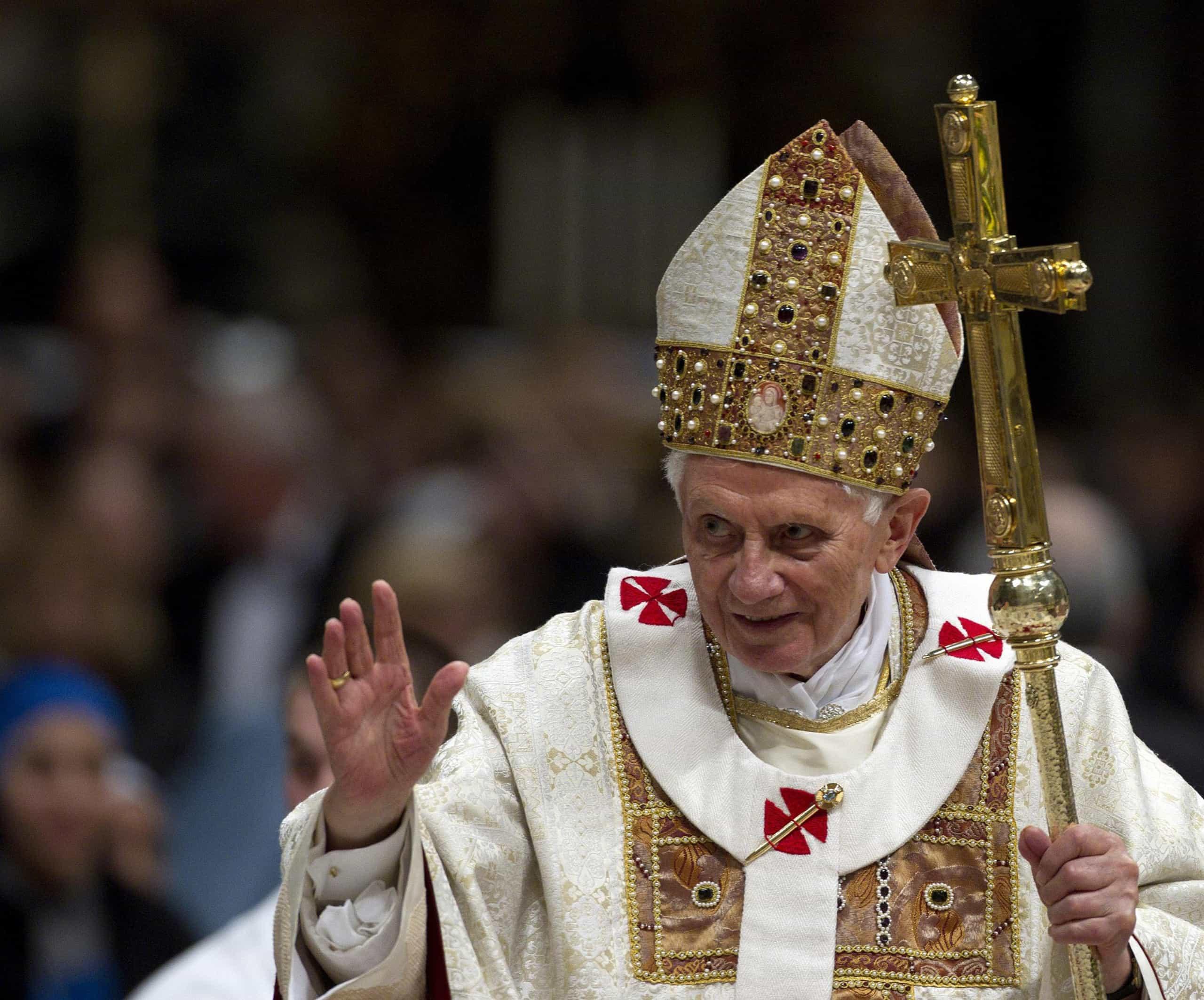 Papa emérito publica documento sobre abuso sexual na Igreja Católica
