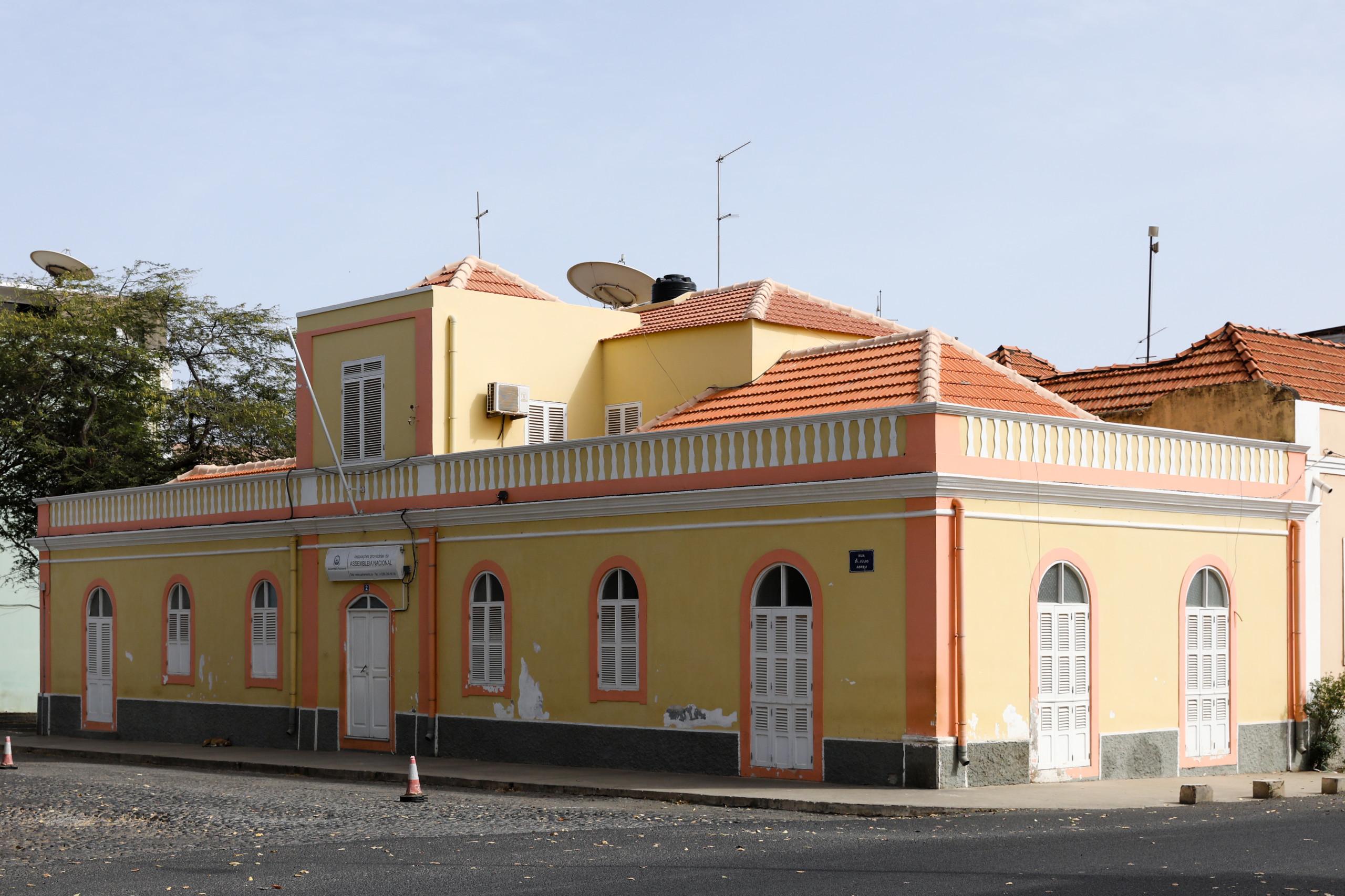 Parlamentos de Cabo Verde e Portugal assinam programa de cooperação