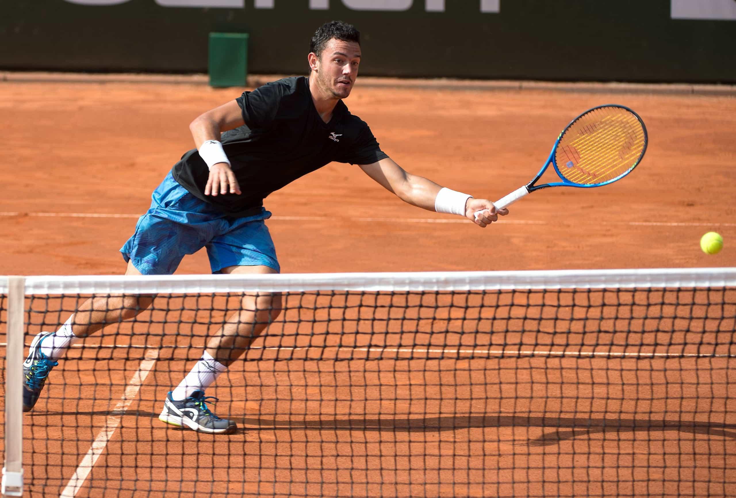 Gonçalo Oliveira nos 'quartos' do 'challenger' de ténis de Anning