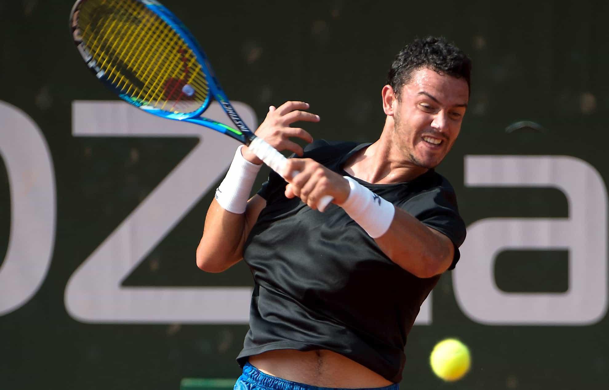 Gonçalo Oliveira segue para os 'oitavos' do torneio de Anning