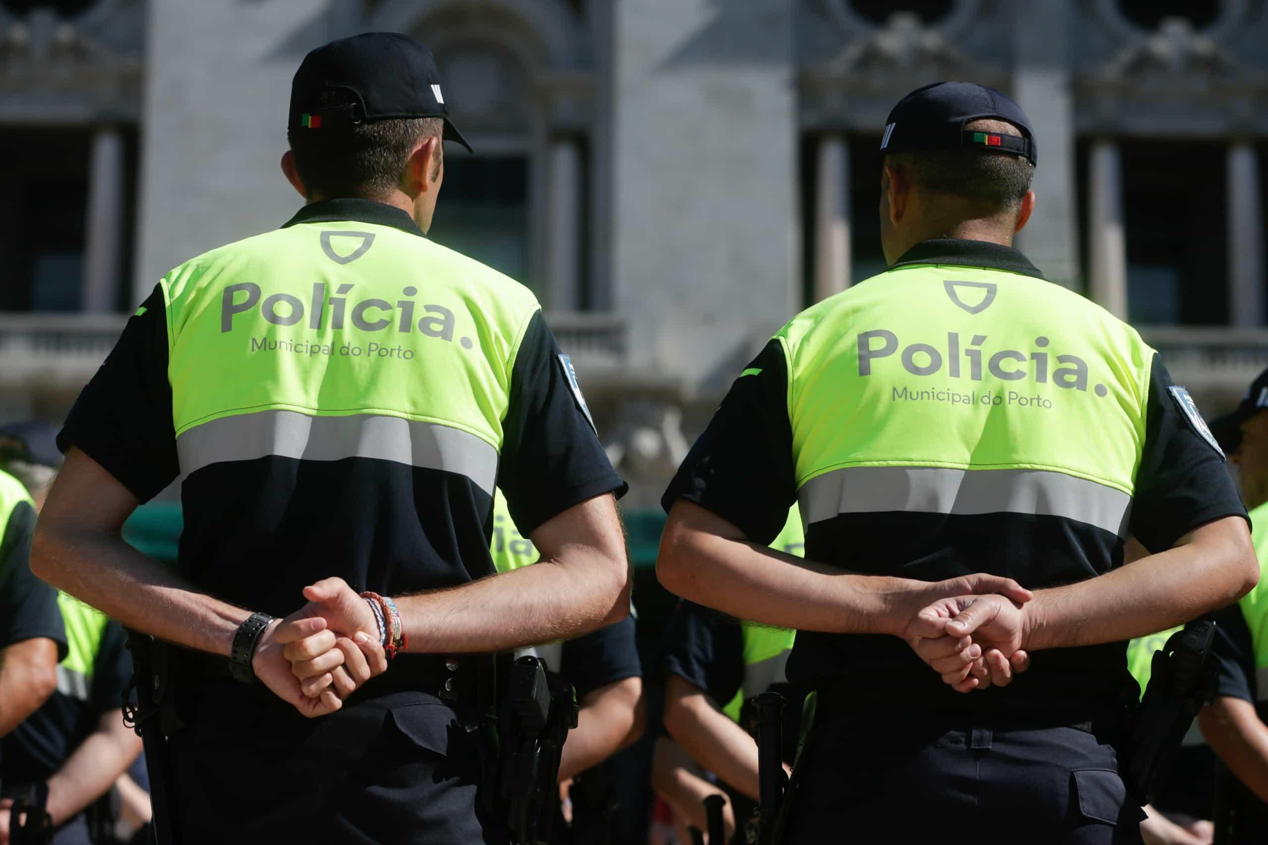 Polícias municipais realizam concentração para pedir estatuto próprio
