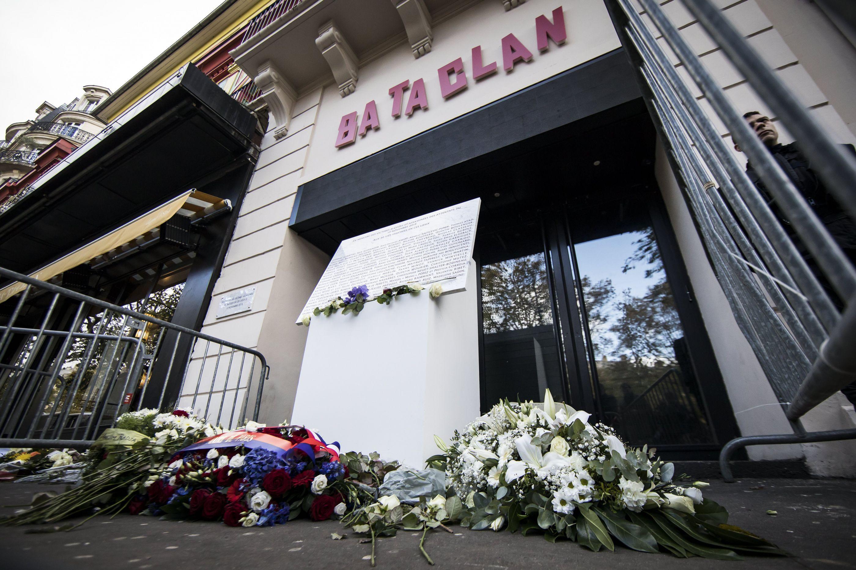 """Atentados no Bataclan são """"cicatriz aberta que não fecha"""""""