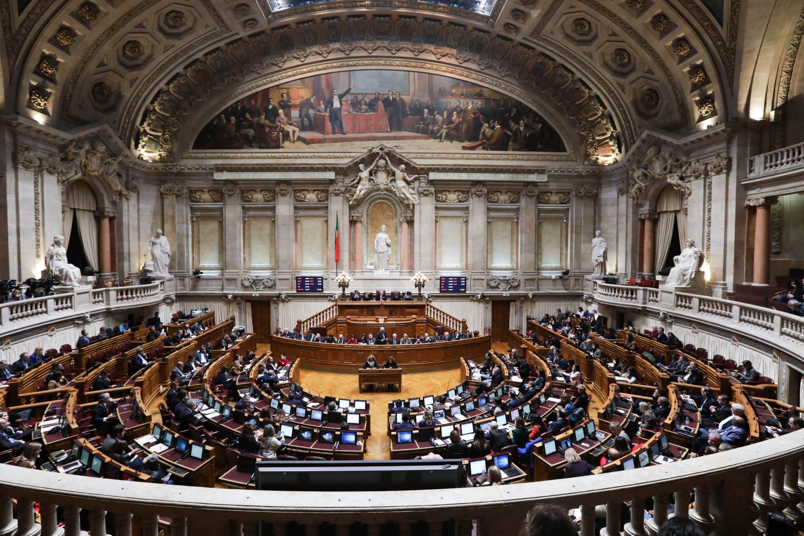 CDS apresenta moção contra Governo com chumbo garantido da Esquerda