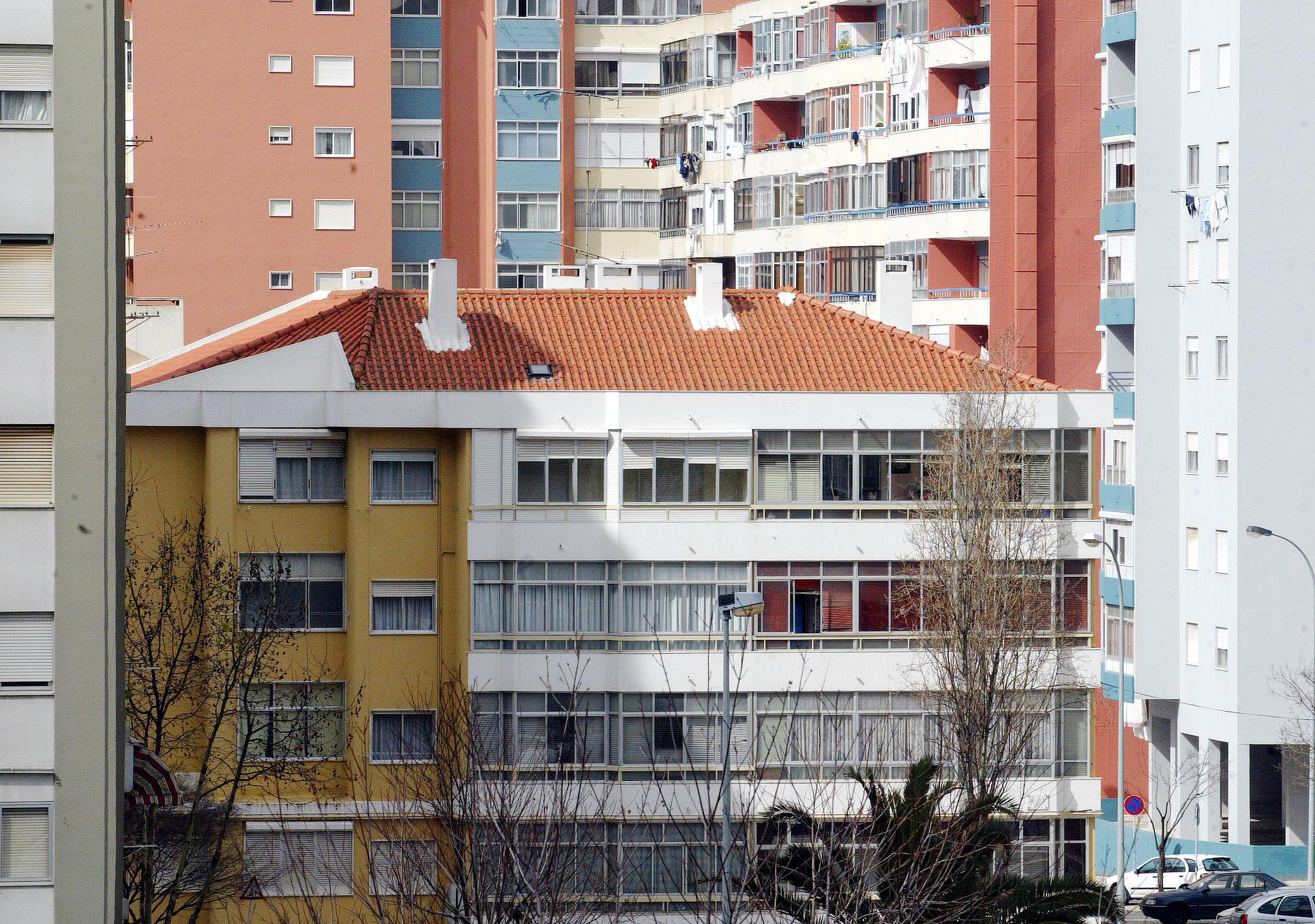 Parlamento discute criação da Lei de Bases da Habitação