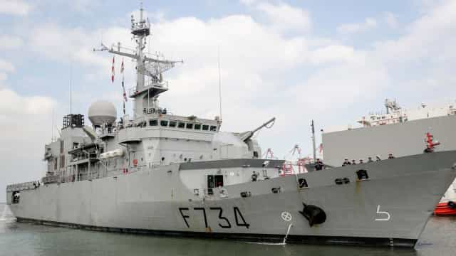 Navios de guerra chineses intercetaram navio da Marinha francesa