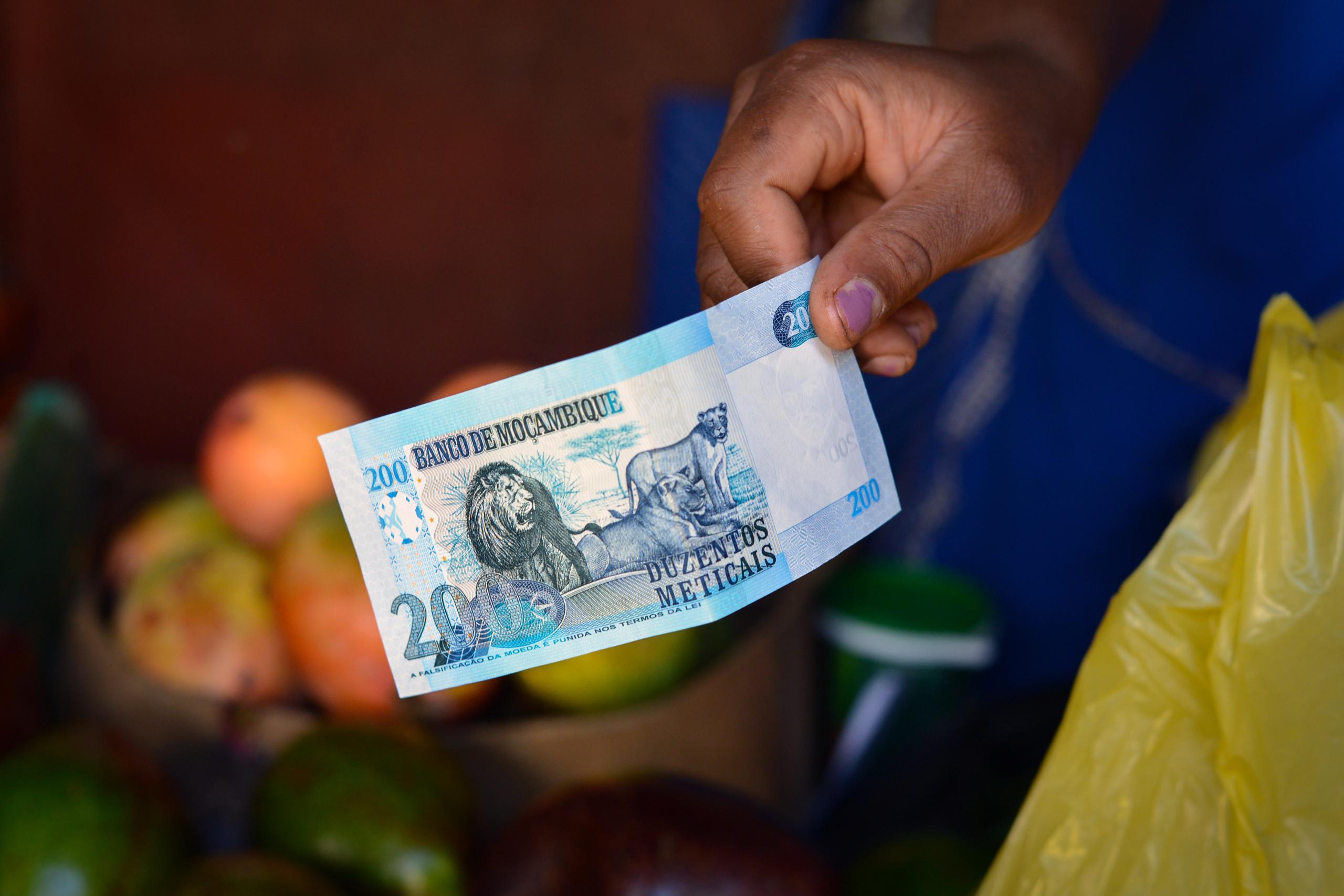 Moeda moçambicana ganha meio metical face ao euro