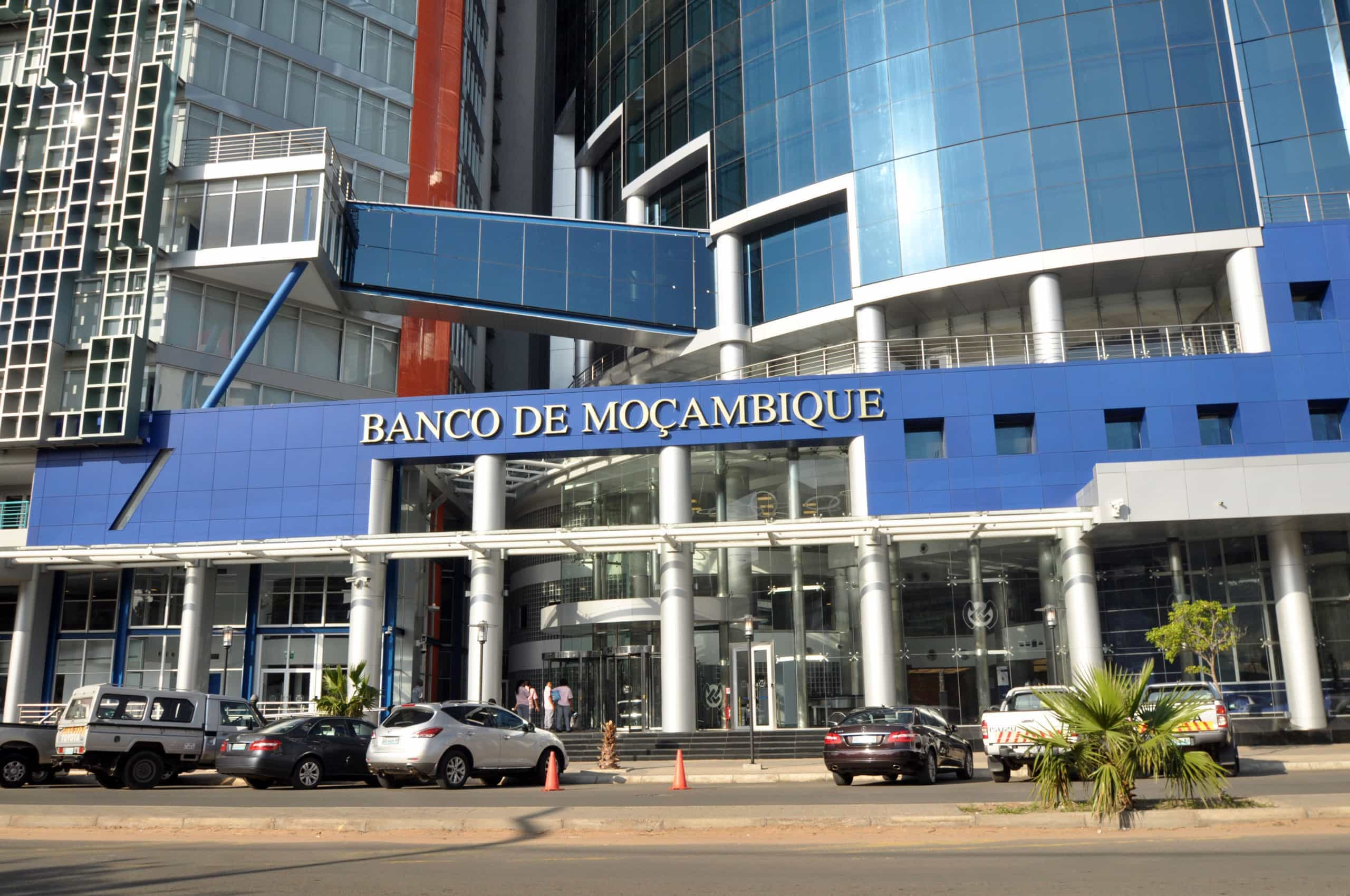 "Banco compara ações de empresa portuguesa a ""ataques cibernéticos"""
