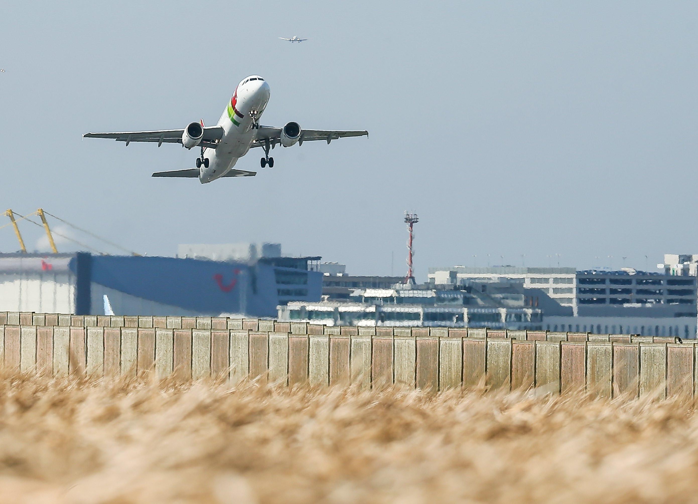 TAP suspende voos para Vigo, Corunha e Oviedo por falta de tripulantes