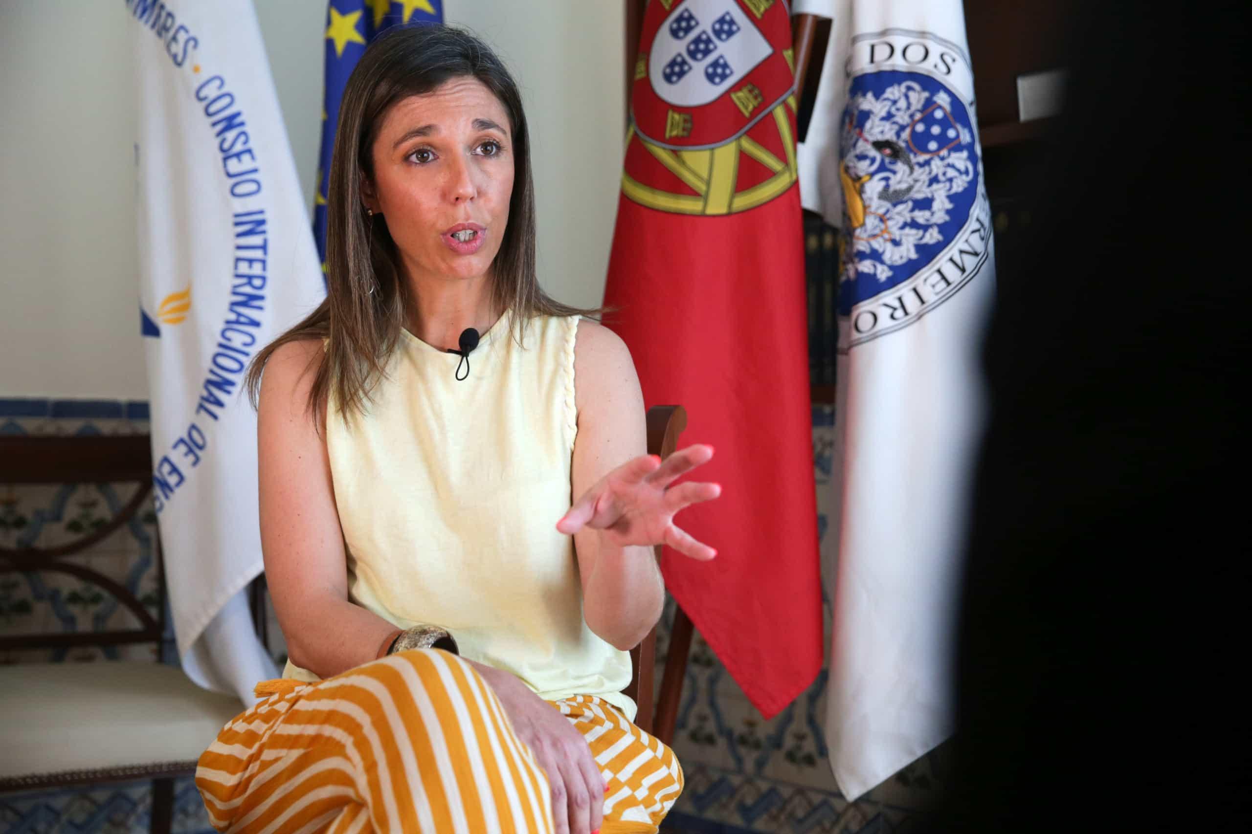 CDS quer ouvir secretário de Estado e bastonária dos Enfermeiros
