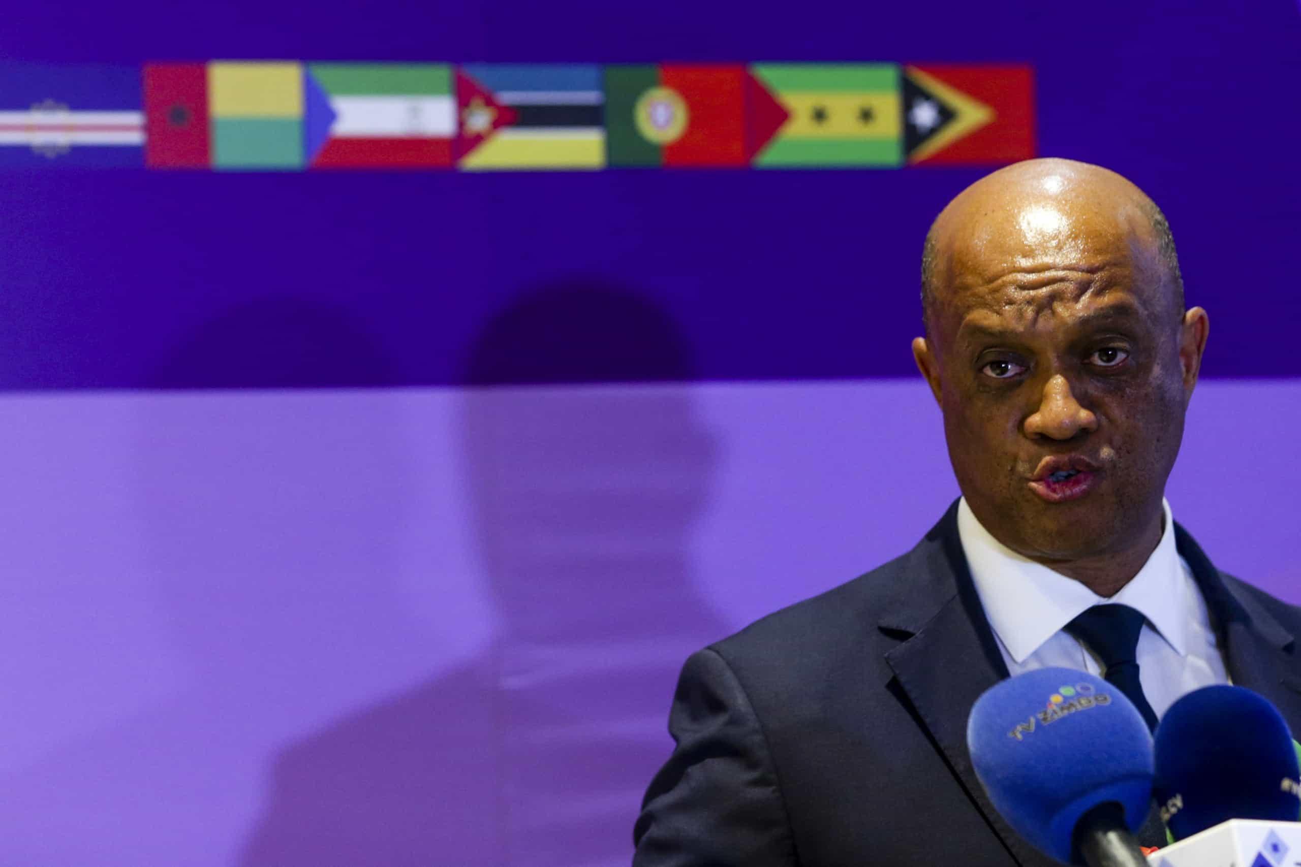 Cabo Verde acena com crescimento para chamar investimento português