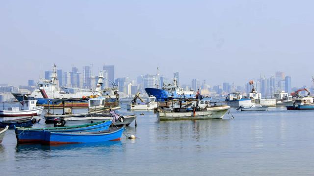 Metade dos combustíveis em Angola está armazenada no mar