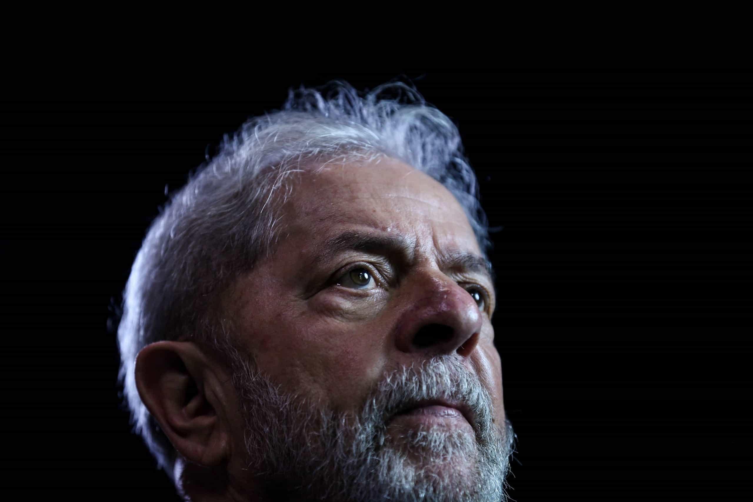 Lula da Silva autorizado a sair da prisão mas recusa