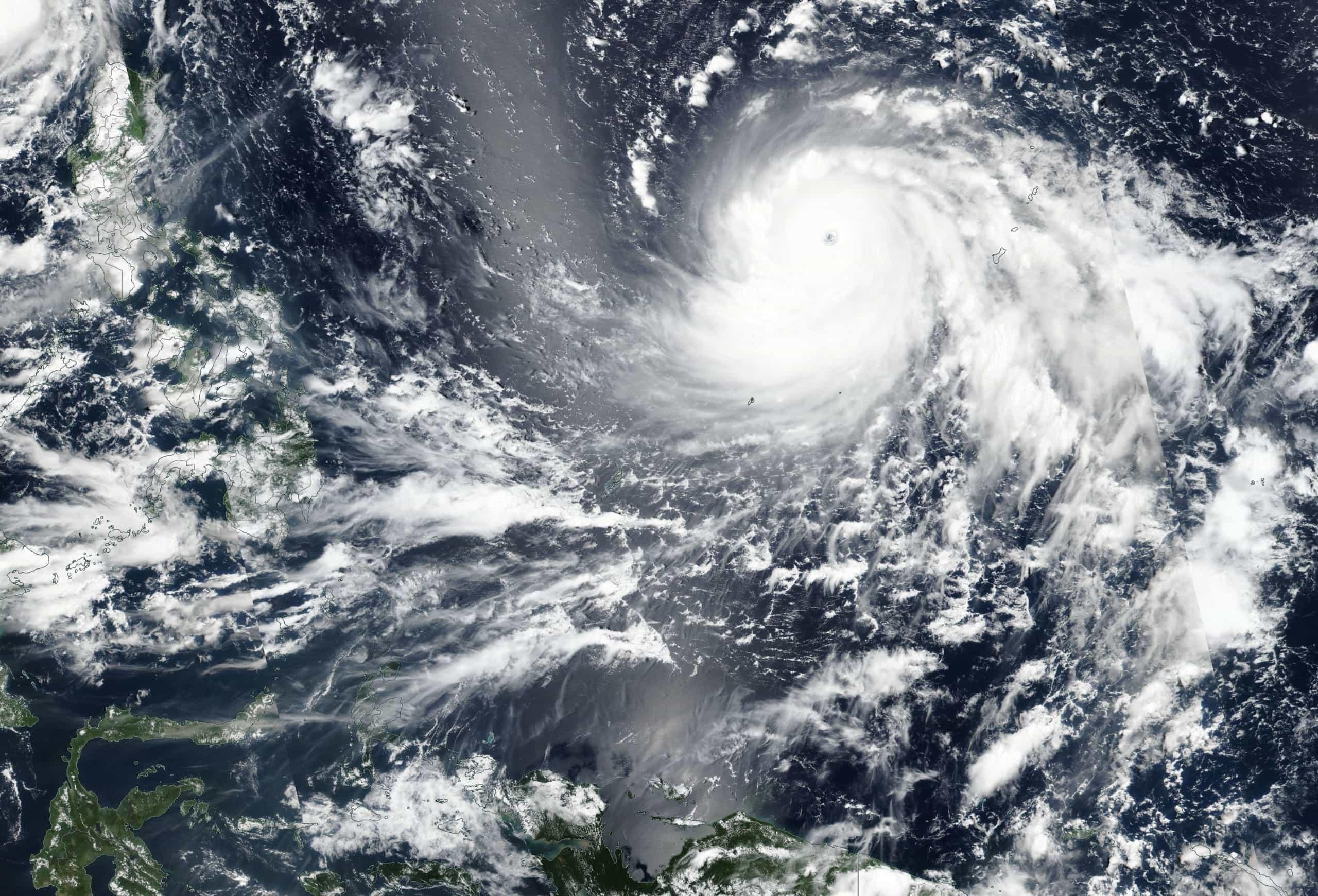 Sinal 9 de tempestade tropical em Macau com proximidade de tufão
