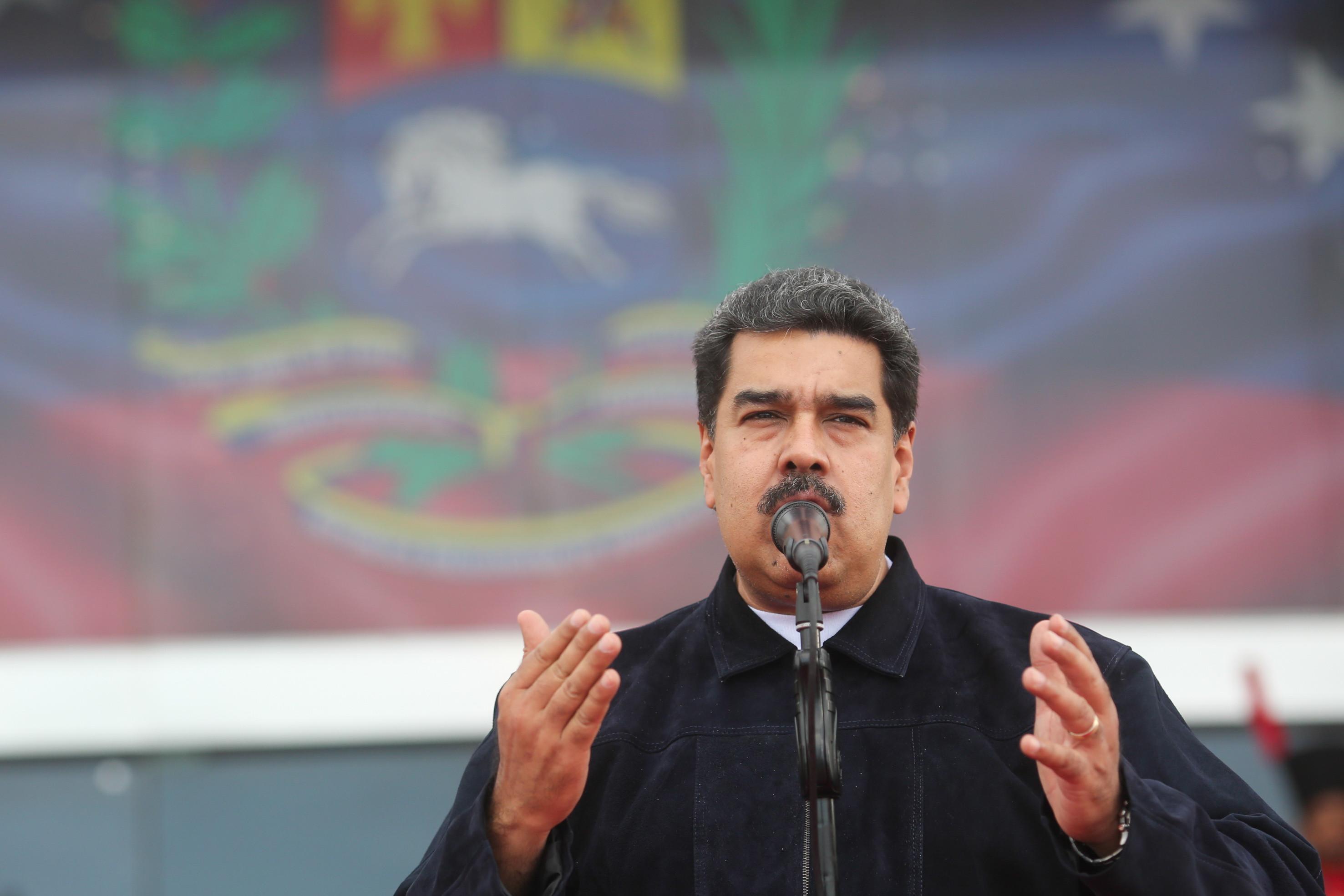 Maduro pede a Trump para que abra fronteira a milhares de migrantes