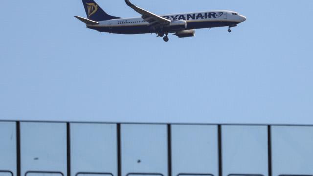 Ryanair garante que vai aplicar lei local em resposta a governantes