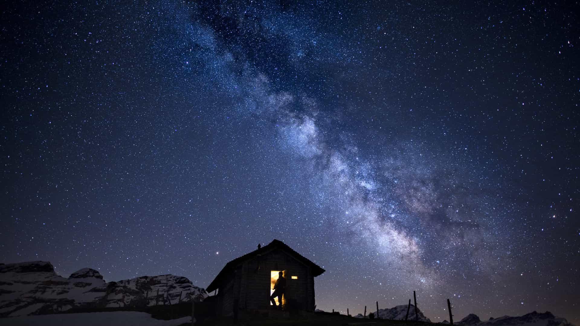 Via Láctea tem massa equivalente a 1,5 mil biliões de vezes a do Sol