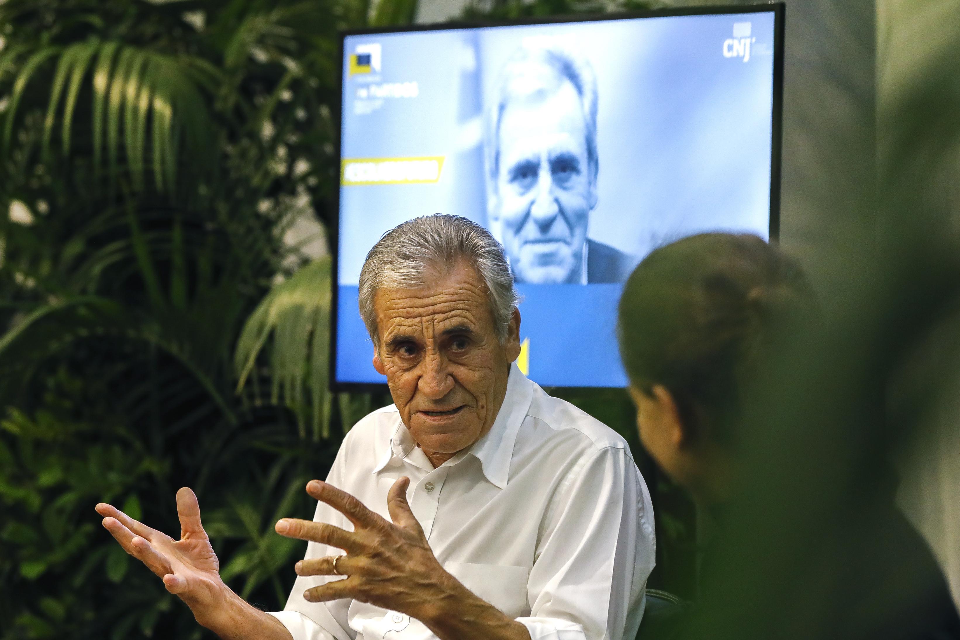 """Jerónimo afirma que Tancos """"passou a ser problema do primeiro-ministro"""""""