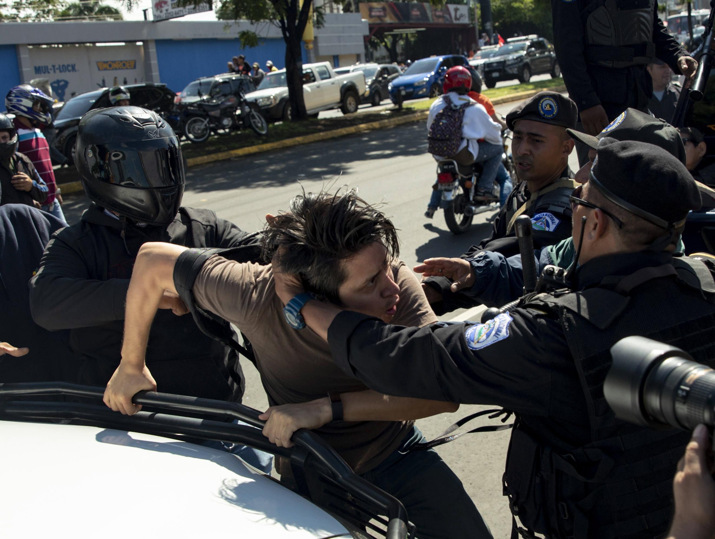 Mais de 300 detidos na Nicarágua por protestos contra o Presidente