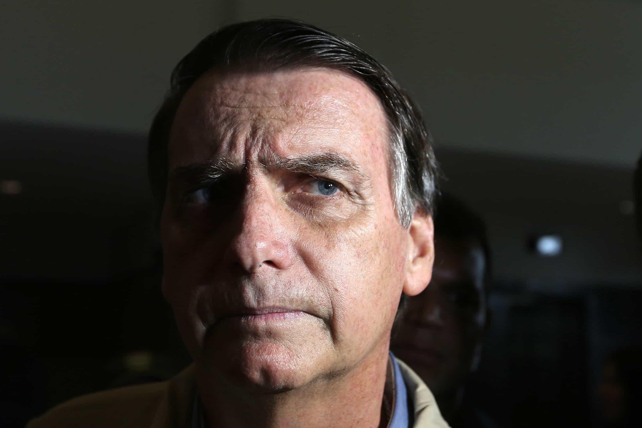 Candidatura de Bolsonaro pode ser impugnada se for provado financiamento