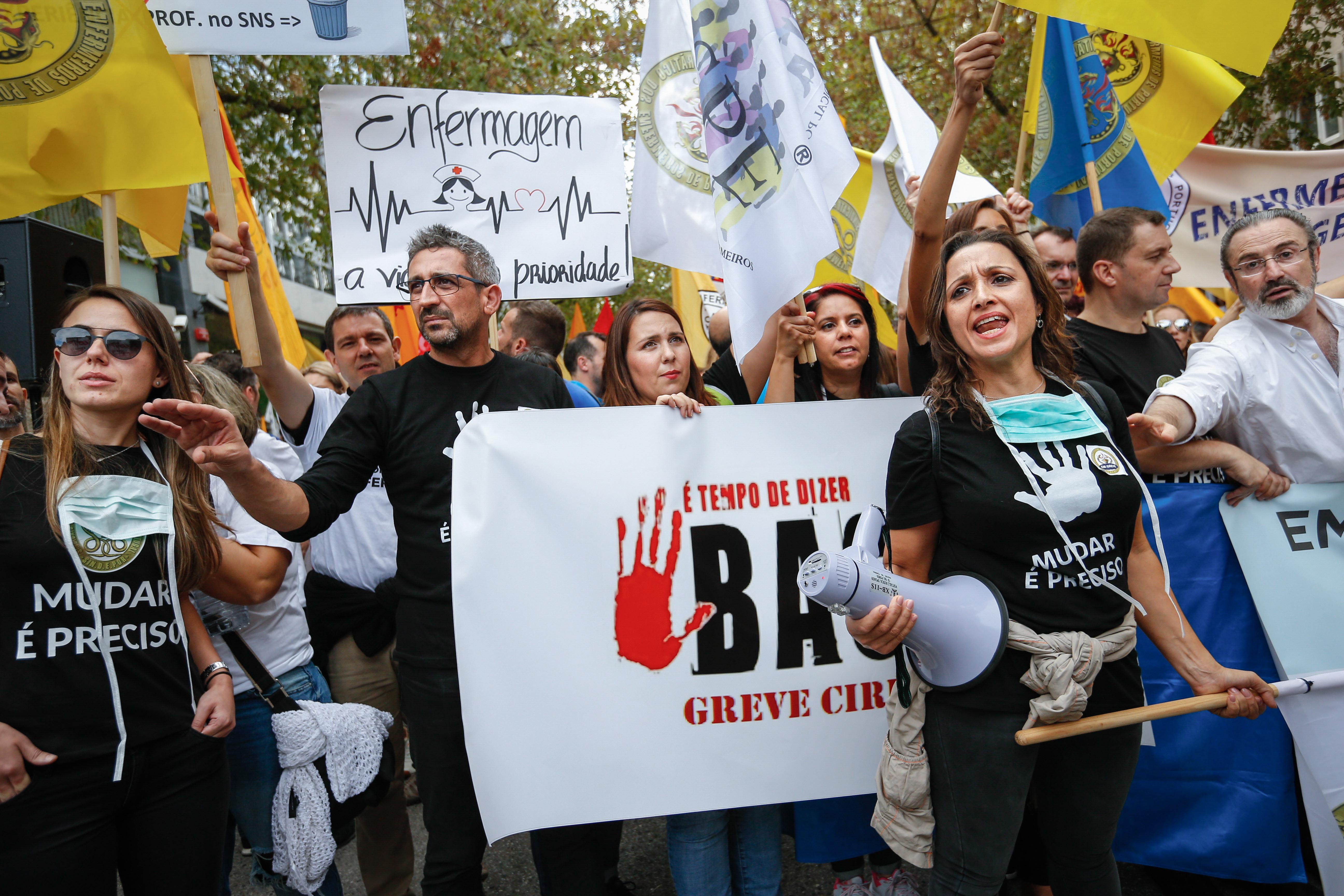"""Enfermeiros: Governo apresenta defesa com """"fundamentos comprovados"""""""