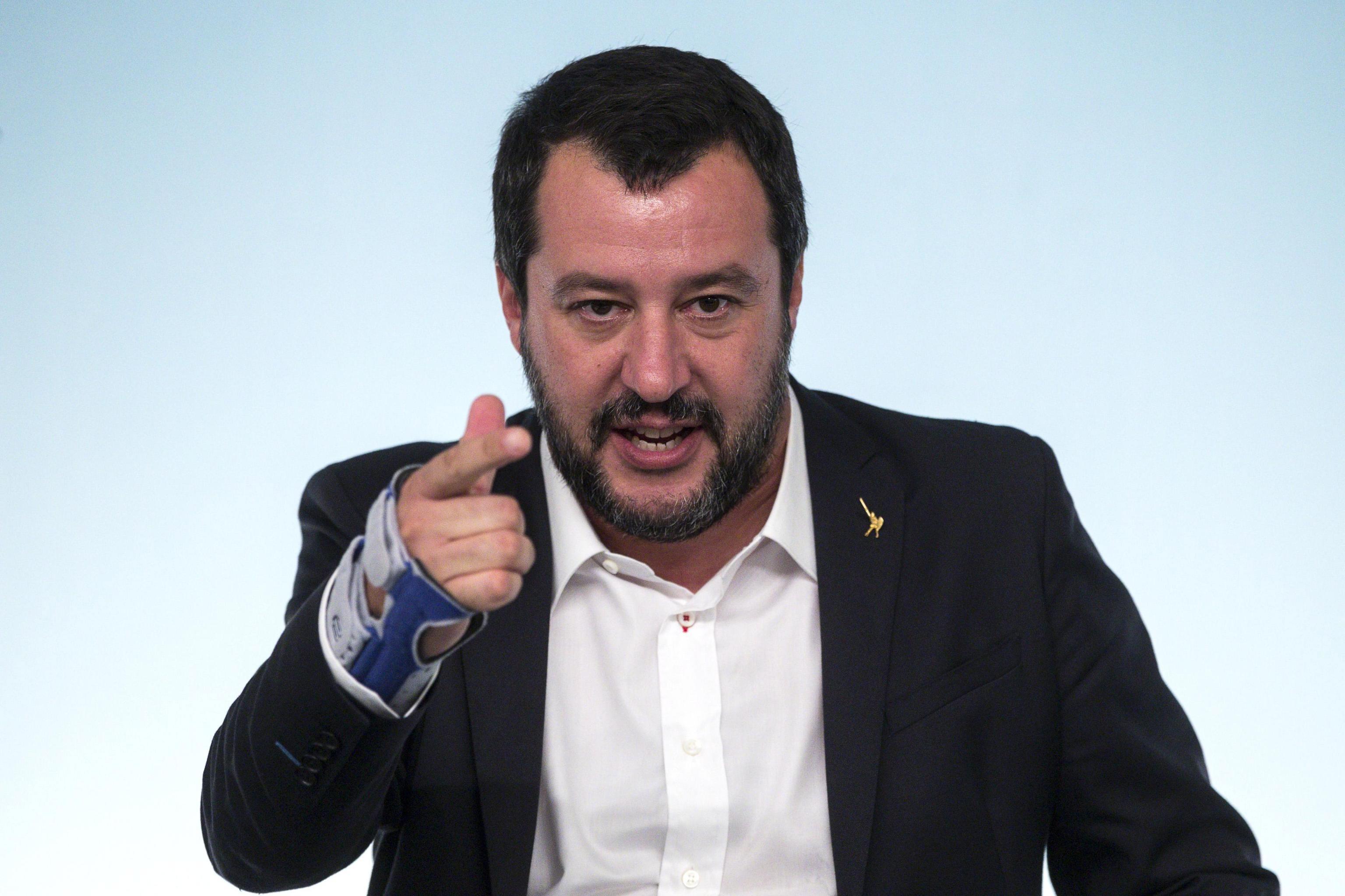 """Roma não muda orçamento nem que Bruxelas """"mande 12 cartas"""""""