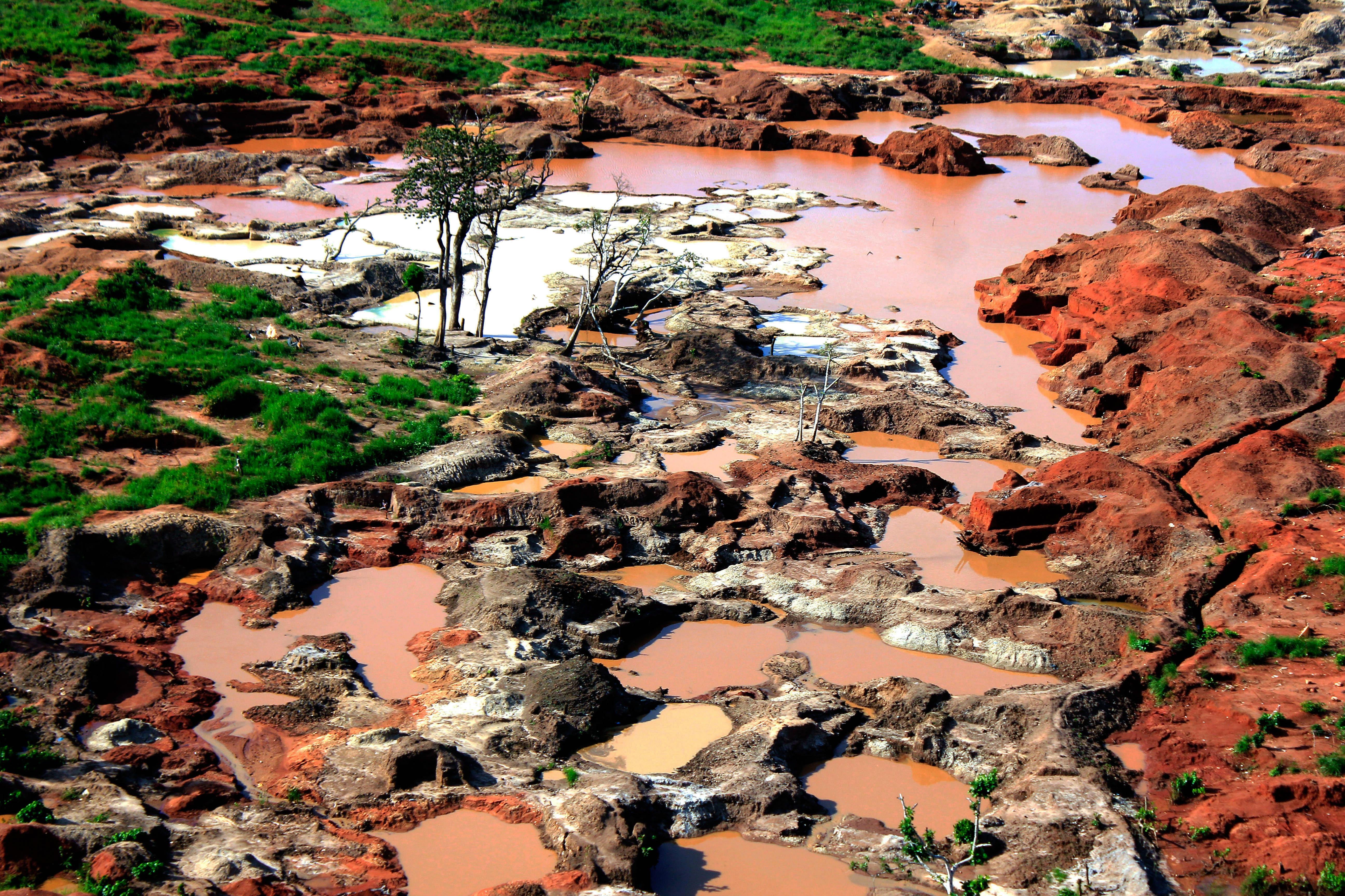 Angola rescinde contratos de exploração de depósitos diamantíferos