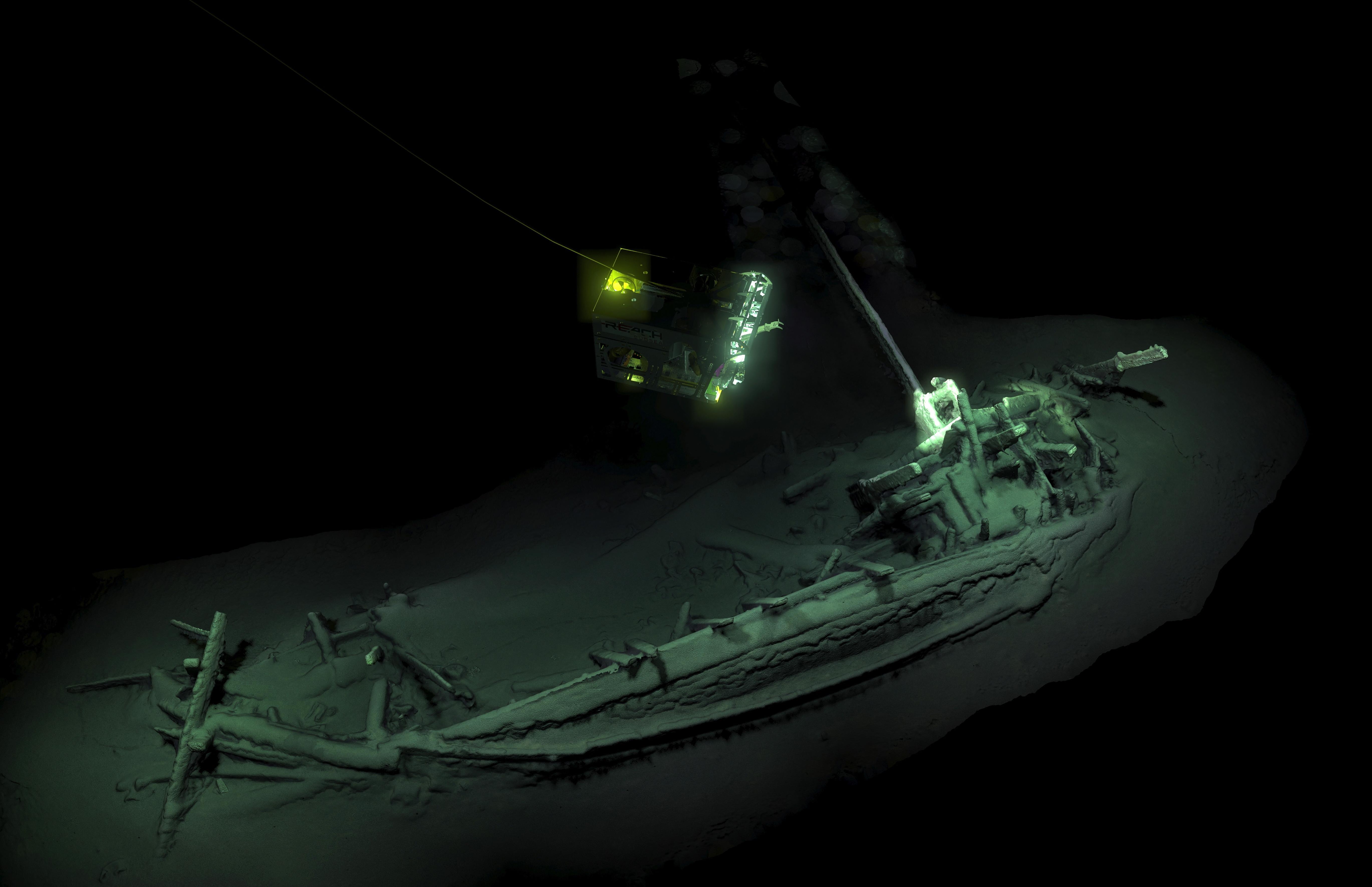 Embarcação intacta com 2.400 anos descoberta no mar Negro