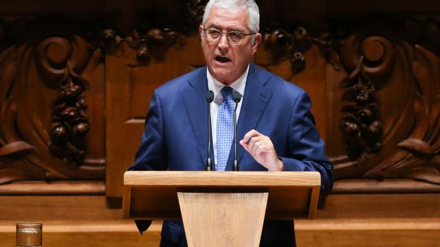 PSD ataca Carlos César com caso do reembolso das viagens dos Açores