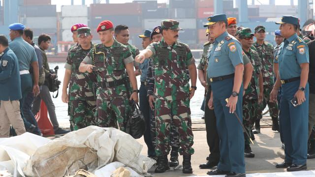 Marinha indonésia terá encontrado carcaça do avião que caiu no mar