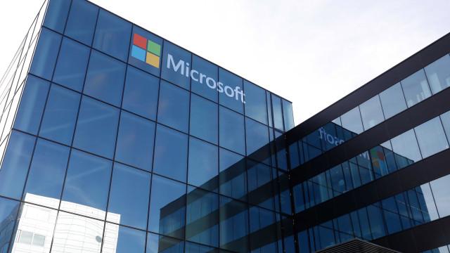 Microsoft ultrapassa um bilião de dólares em capitalização bolsista