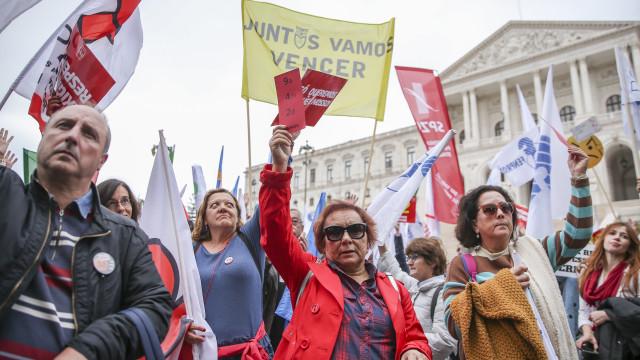 Governo espera 5 dias para retomar processo legislativo sobre professores