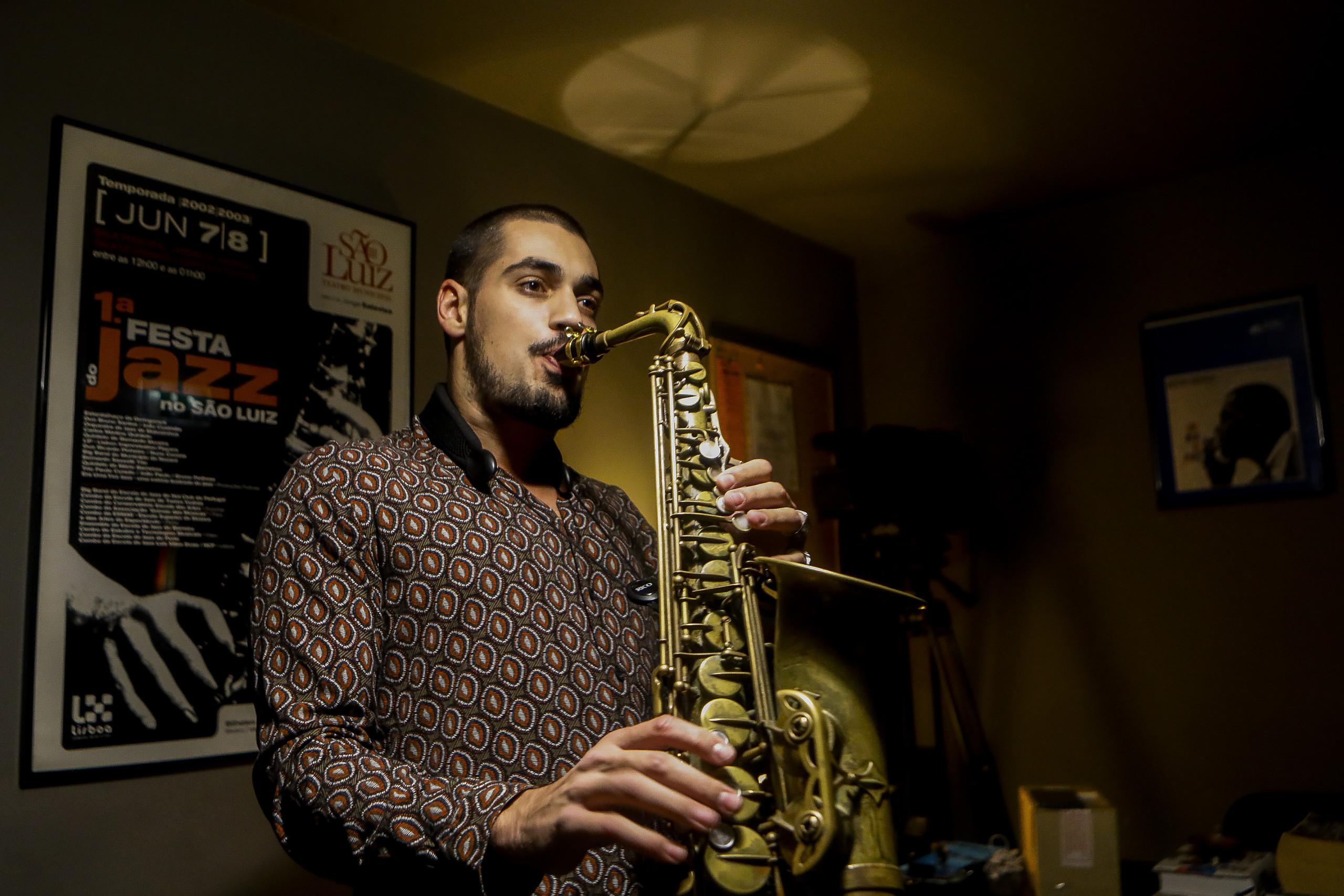 Disco de estreia do saxofonista Ricardo Toscano tem edição mundial