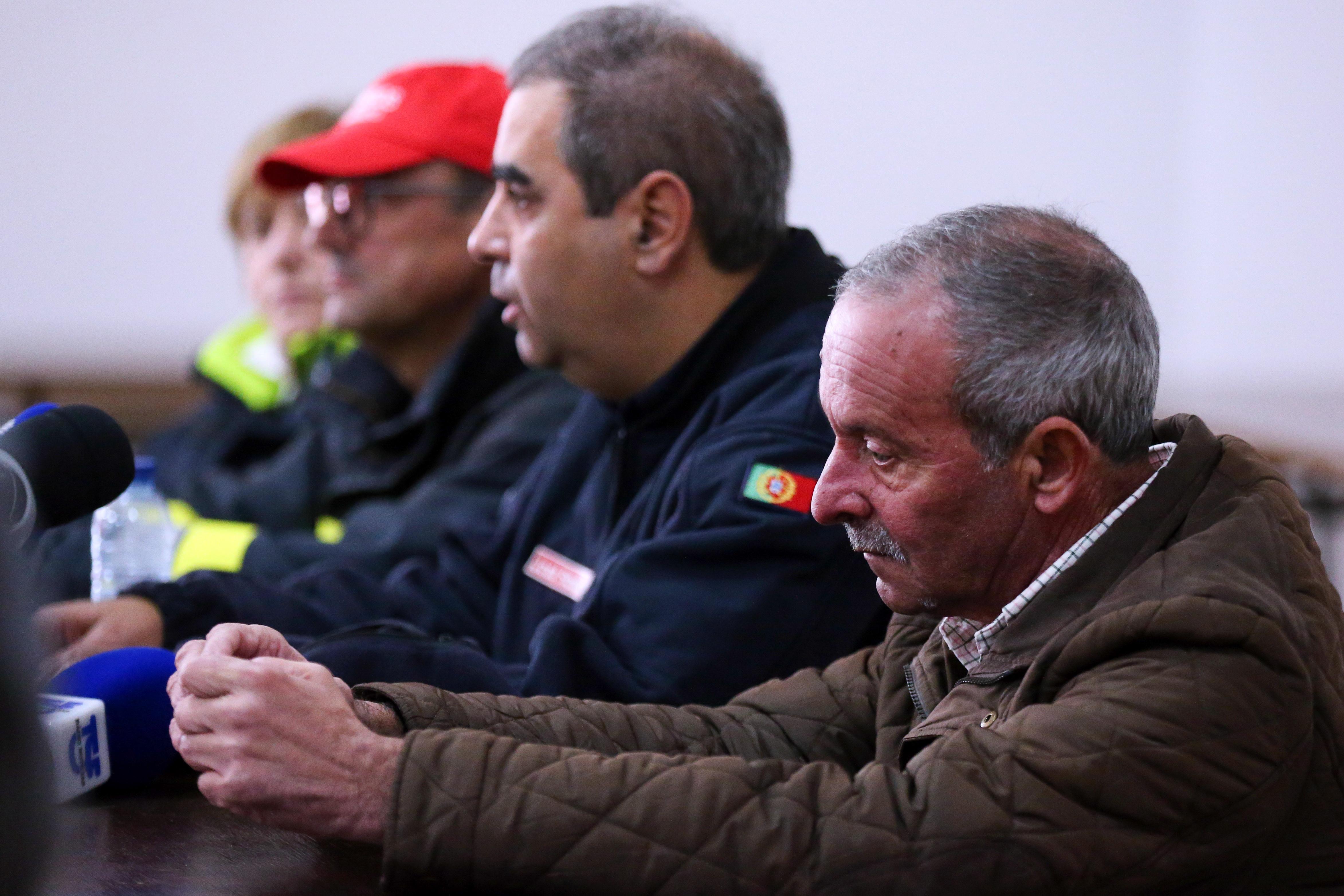 Operações de resgate em Borba com recurso a grua e motobombas