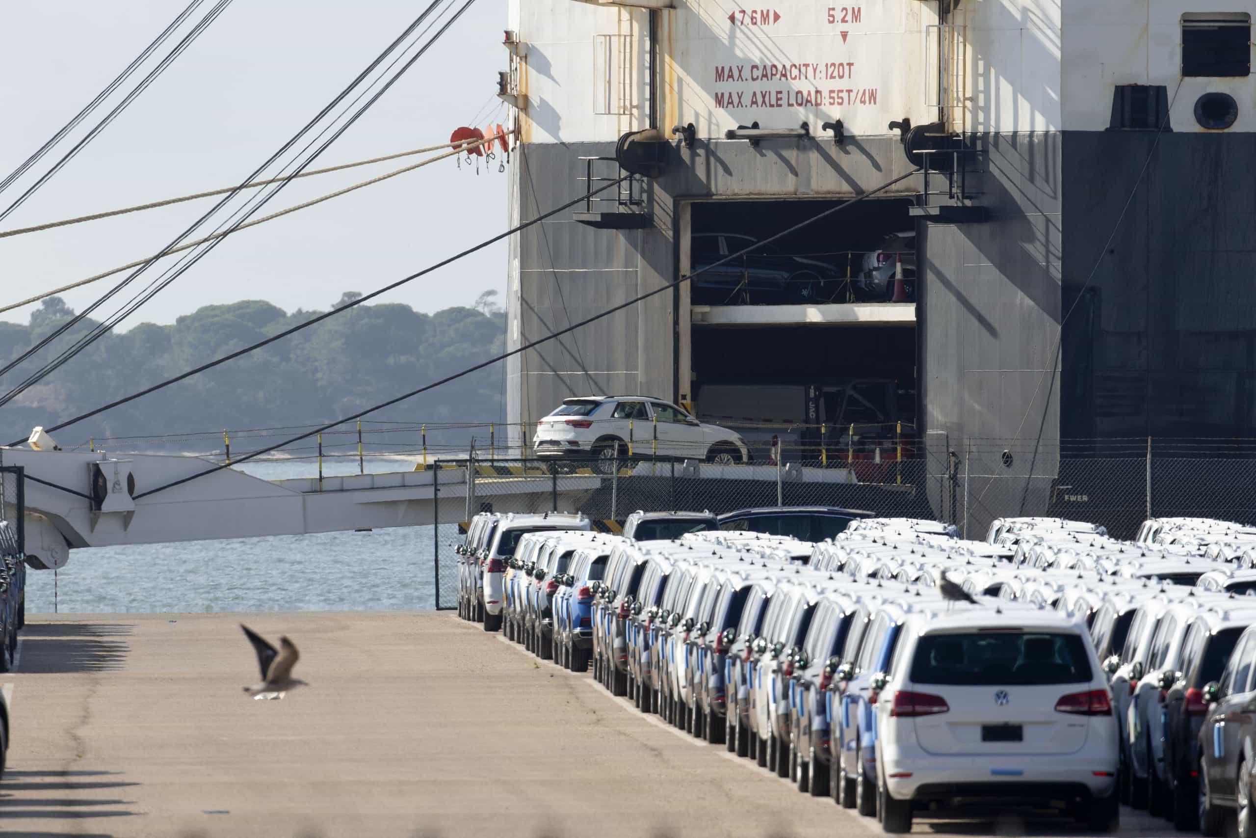 Porto de Leixões recebeu hoje 700 automóveis da Autoeuropa